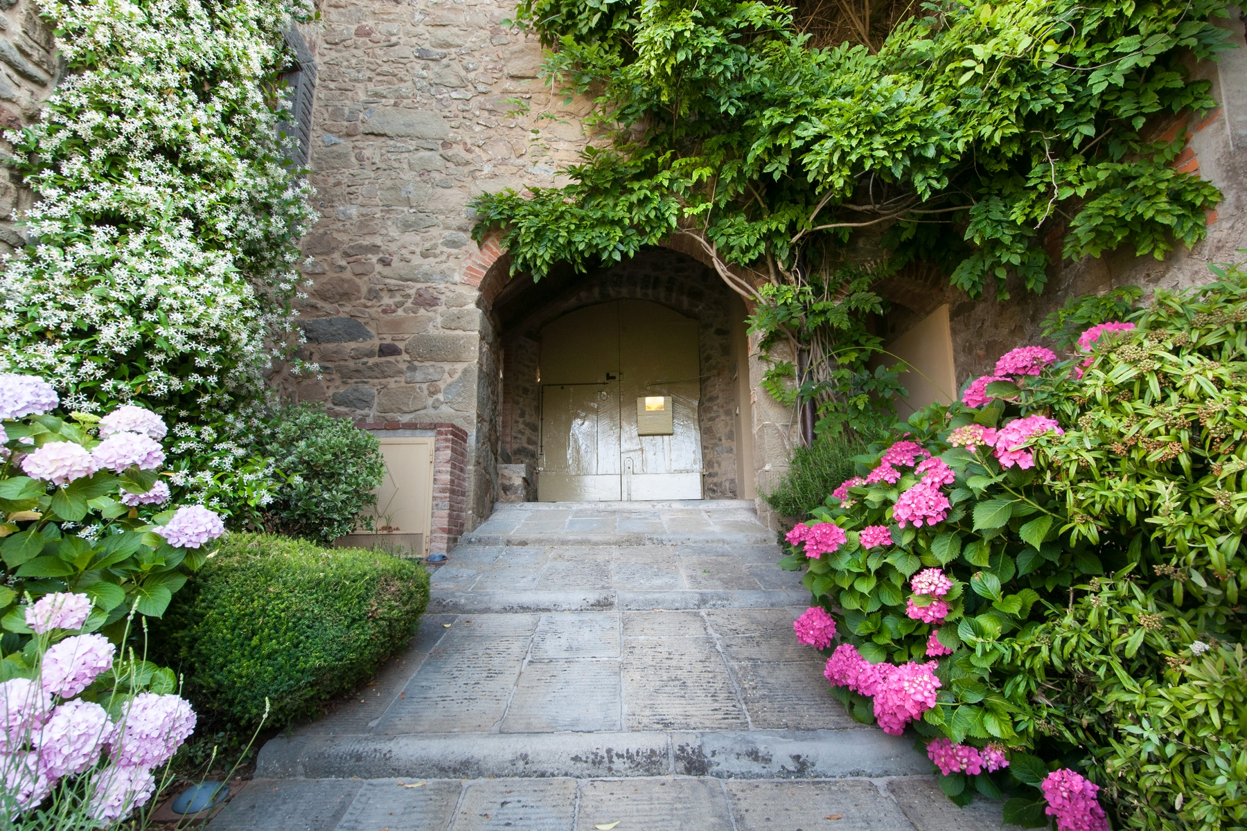 Additional photo for property listing at Timeless property with view Lugliano Bagni Di Lucca, Lucca 55011 Italia