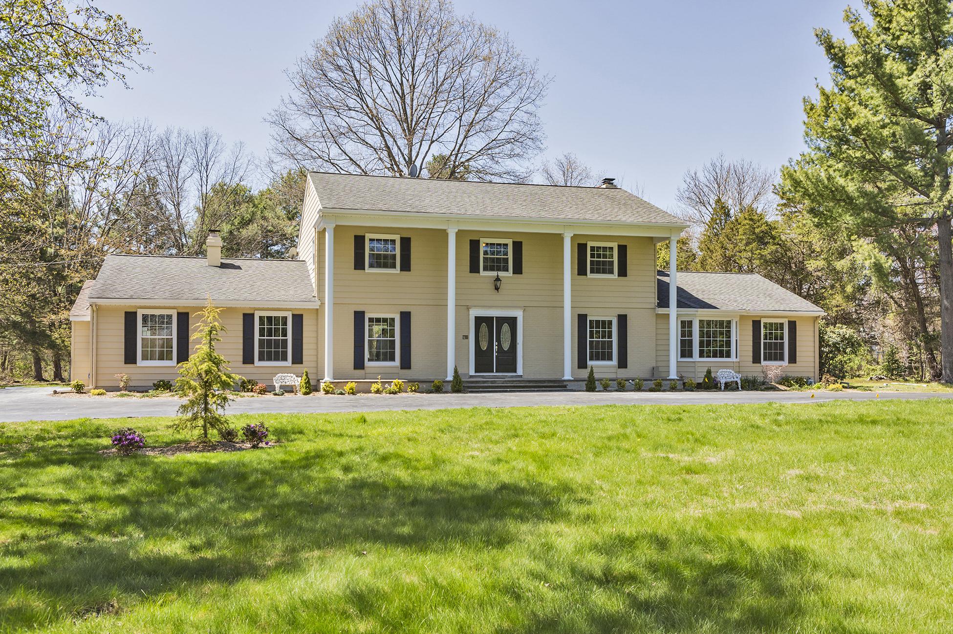 獨棟家庭住宅 為 出售 在 Inspired Living in Beautifully Renovated Home - Lawrence Township 89 Carter Road Princeton, 新澤西州, 08540 美國