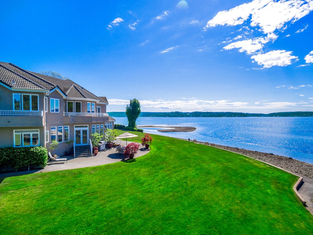 Single Family Home for Sale at LuxuryontheSound.com 11114 116th Ave Ct NW Gig Harbor, Washington, 98329 United States