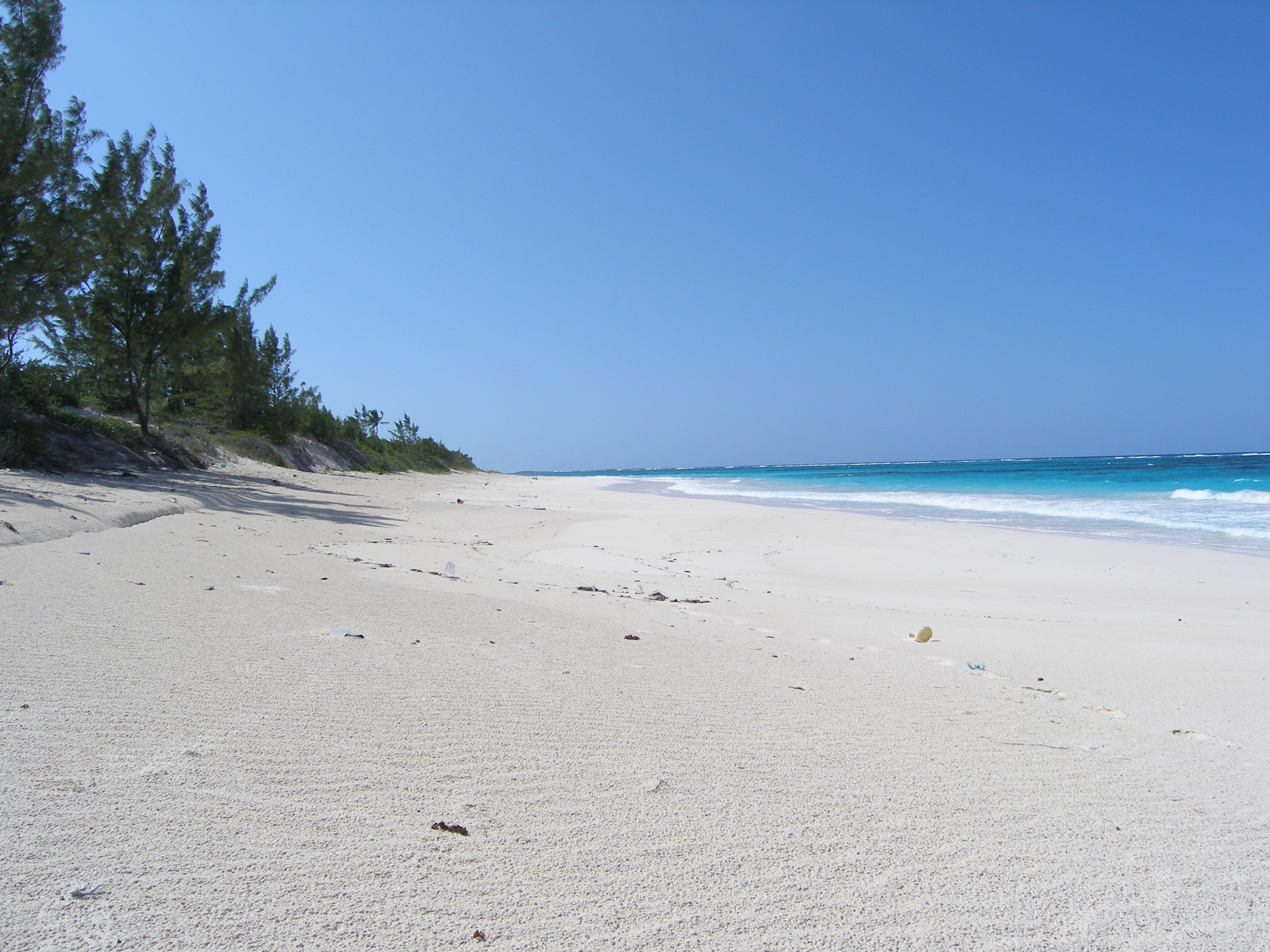 Terreno por un Venta en Prime Bank's Road Beachfront Governors Harbour, Eleuthera, Bahamas