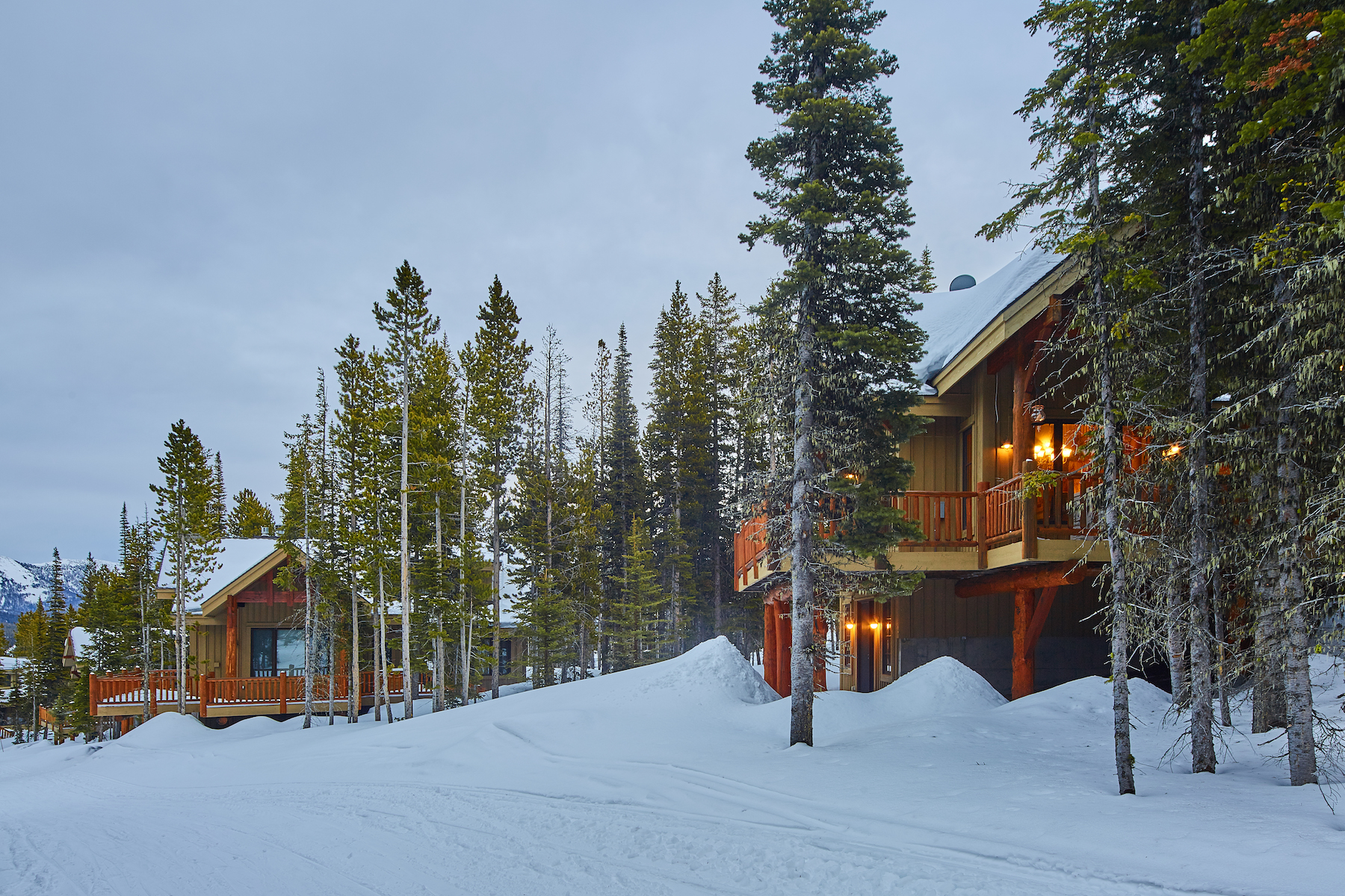 Casa Unifamiliar por un Venta en Ski-in, Ski-out Mountain Home 42 Cowboy Heaven Road Big Sky, Montana, 59716 Estados Unidos