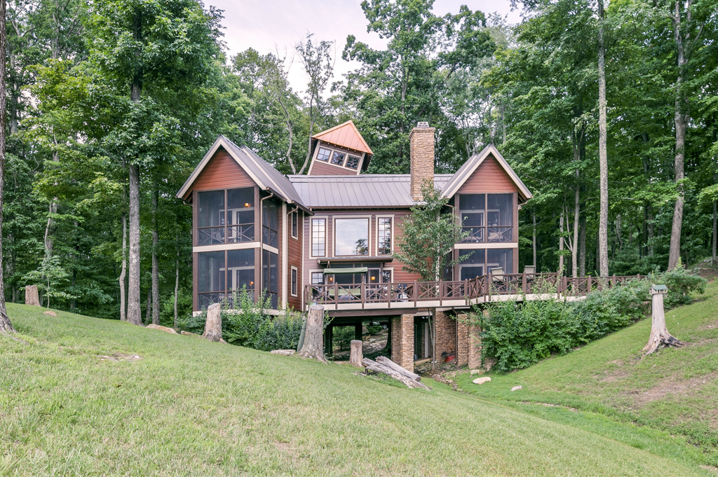 Property For Sale at Resort Like Property in  McMinnville