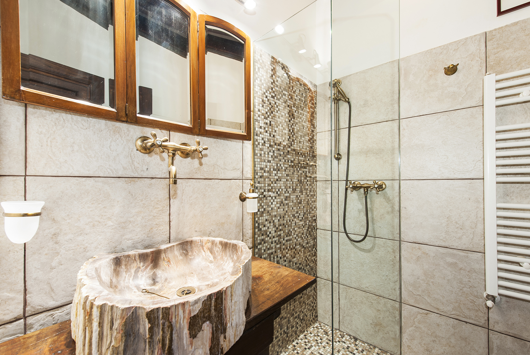 Additional photo for property listing at Charming townhouse in the city center Rome, Rome Italy