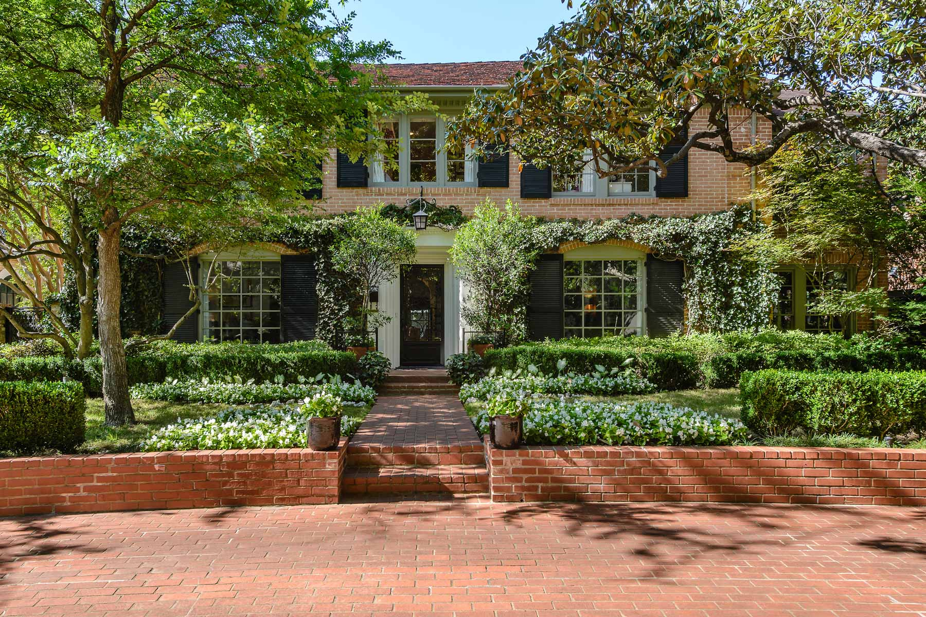 sales property at Highland Park Traditional