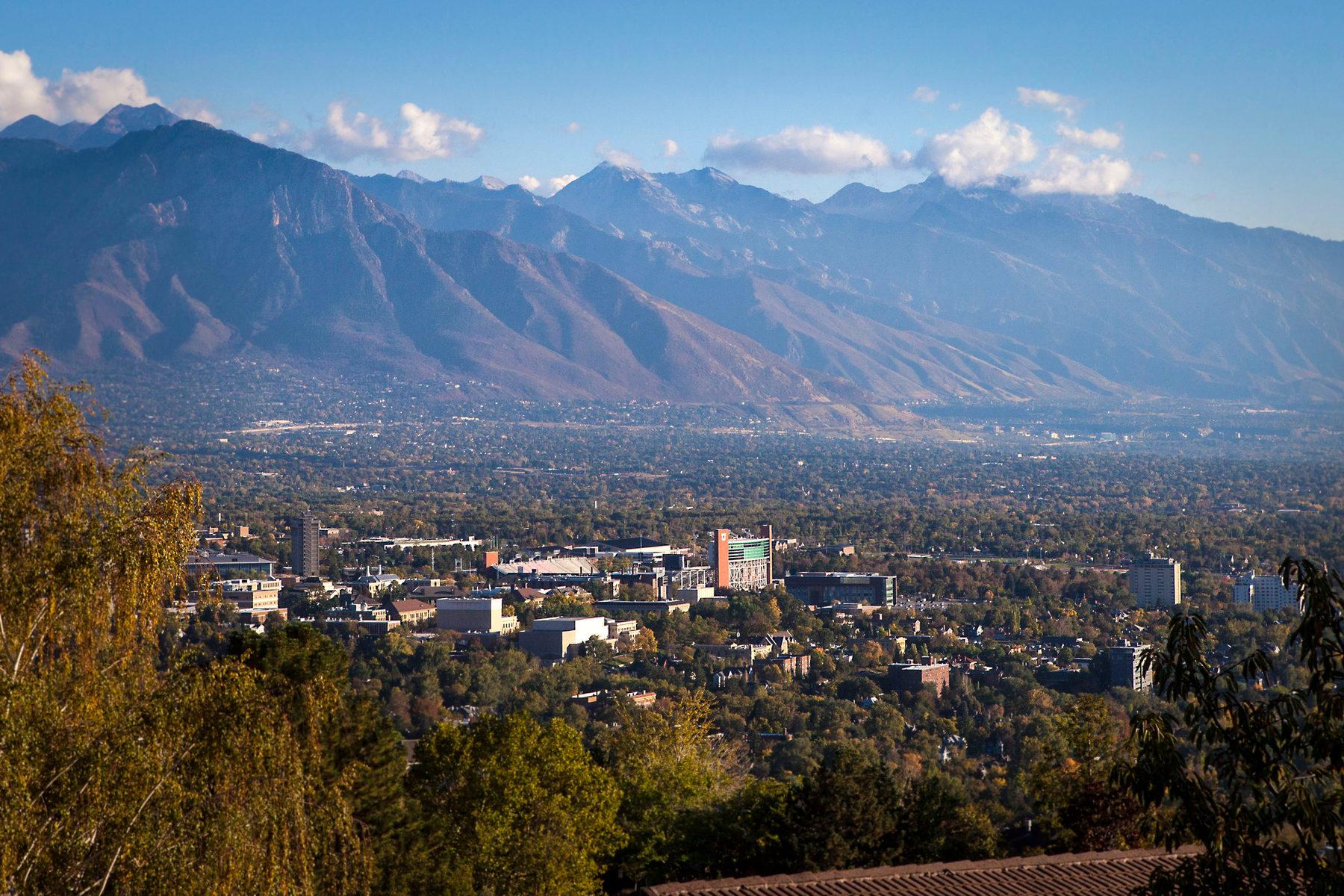 Nhà ở một gia đình vì Bán tại Upper Avenues Treasure 833 N Terrace Hills Dr Salt Lake City, Utah 84103 Hoa Kỳ
