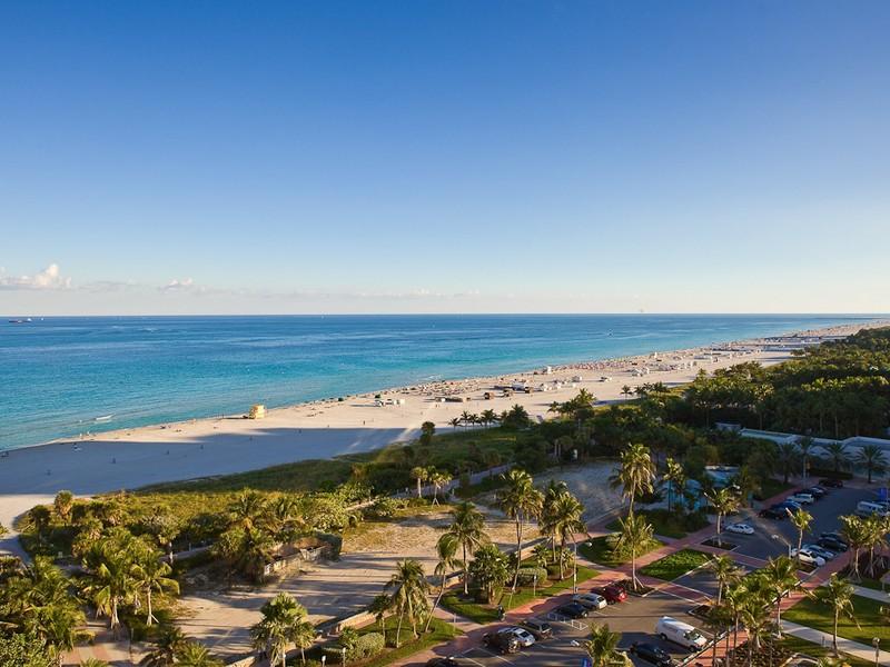 Condomínio para Venda às 2201 Collins Ave # 522 Miami Beach, Florida 3319 Estados Unidos