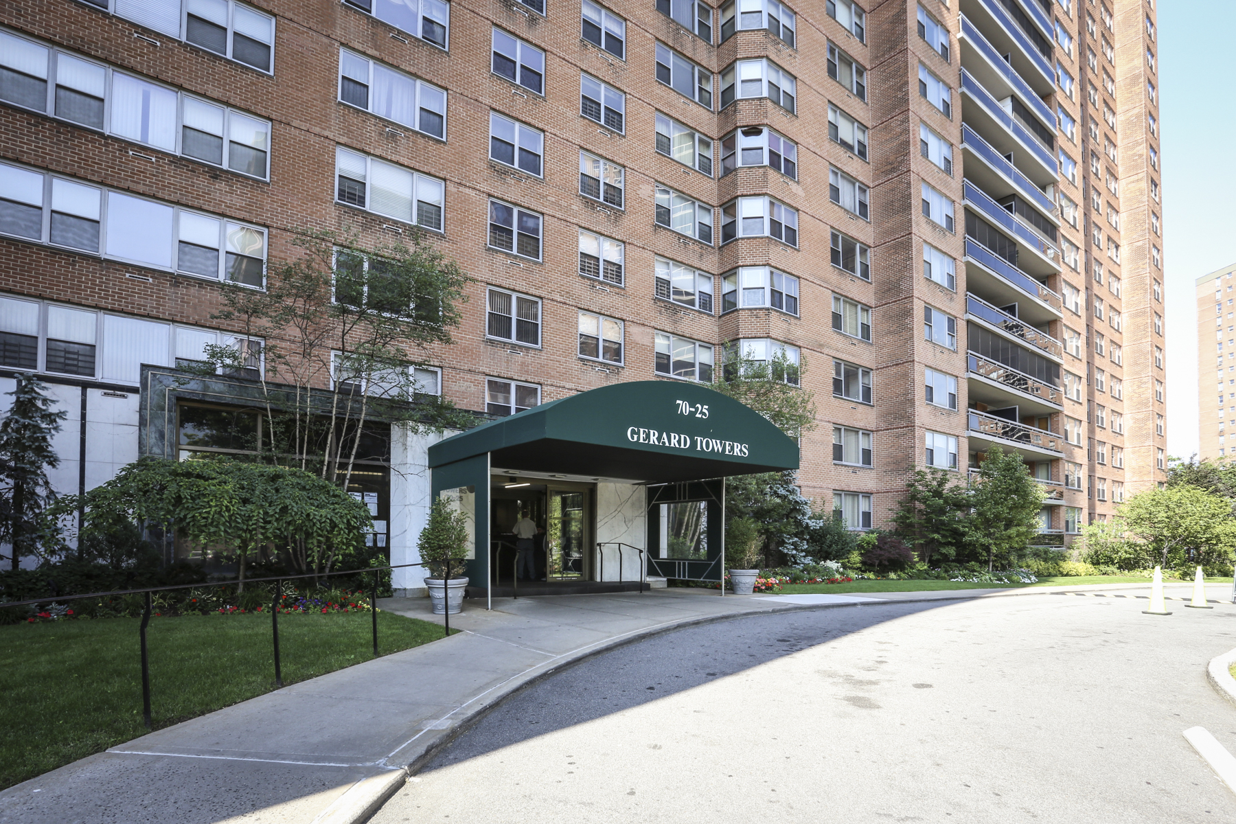 "Co-op for Sale at ""LARGE ONE BEDROOM WITH PANORAMIC VIEWS"" 70-25 Yellowstone Blvd, Forest Hills, New York 11375 United States"