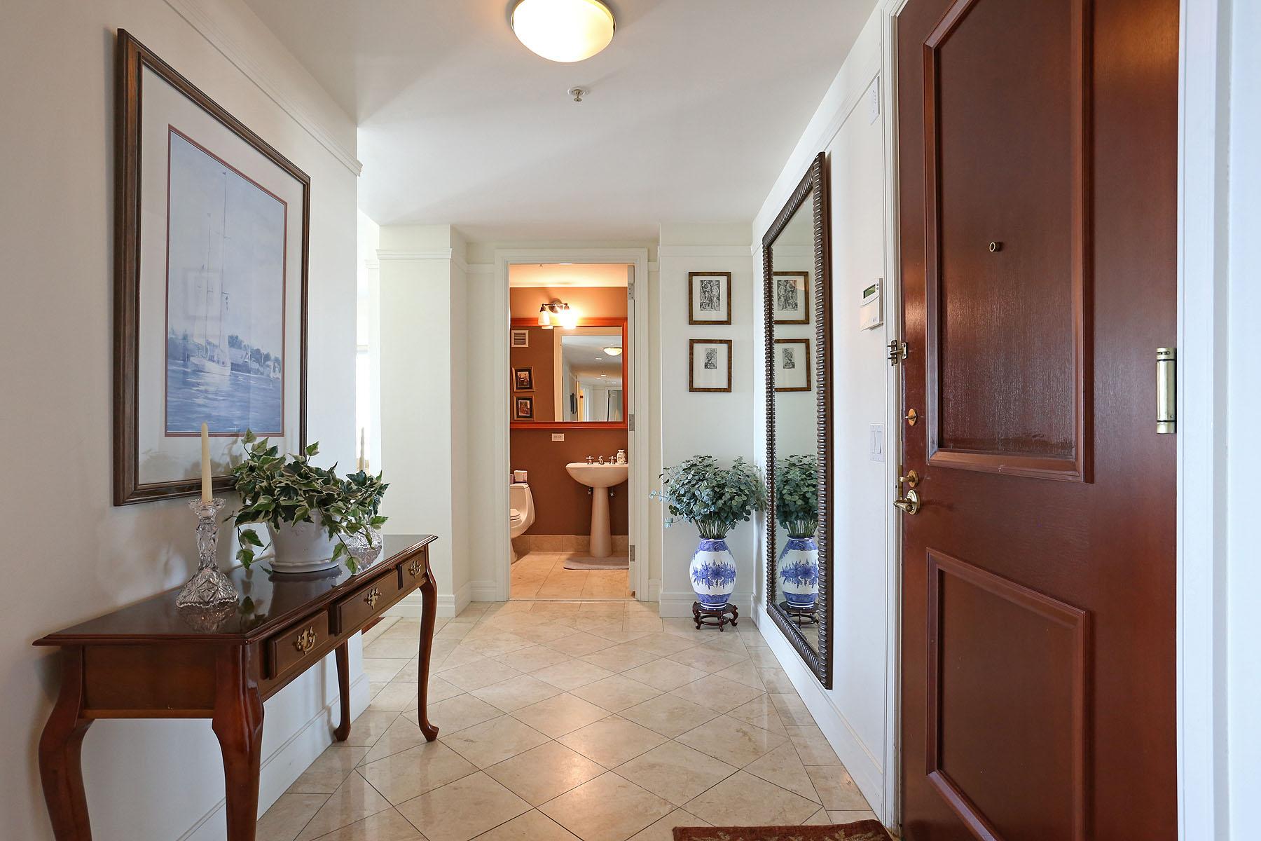 Nhà chung cư vì Bán tại Ritz Carlton Corner Unit 2 Avery Street Unit 18E Midtown, Boston, Massachusetts 02111 Hoa Kỳ