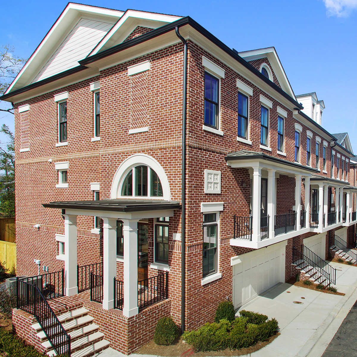 Townhouse for Active at 3700 Peachtree 3718 Paige Way Atlanta, Georgia 30319 United States