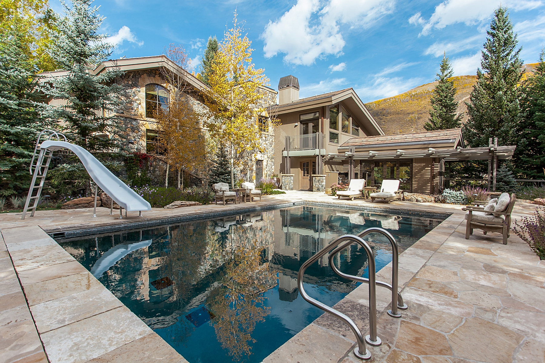 Maison unifamiliale pour l Vente à 1067 Ptarmigan Road Vail Golf Course, Vail, Colorado, 81657 États-Unis
