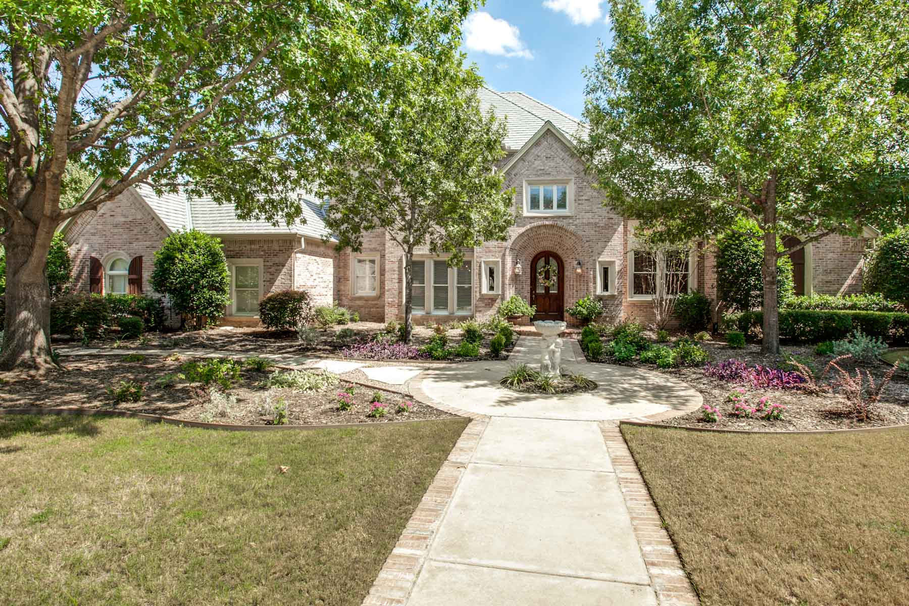 Villa per Vendita alle ore Meticulously Maintained and Updated Home, Mira Vista 6650 Laurel Valley Dr. Fort Worth, Texas, 76132 Stati Uniti