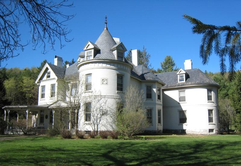 단독 가정 주택 용 매매 에 Mari Castle 41, 43, 45 Main Street Randolph, 베르몬트 05060 미국