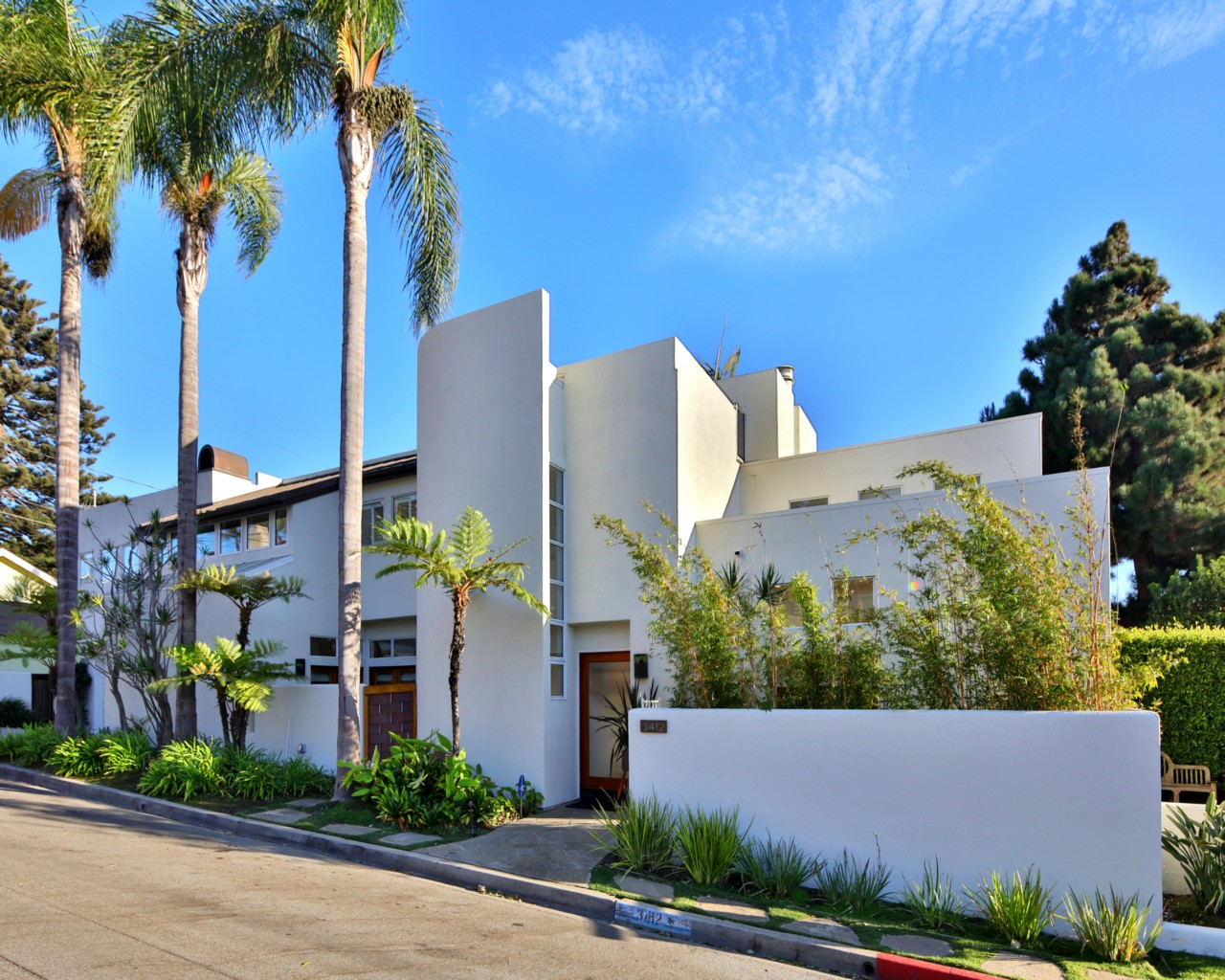 Casa Unifamiliar por un Venta en 3412 Walnut Ave Manhattan Beach, California 90266 Estados Unidos