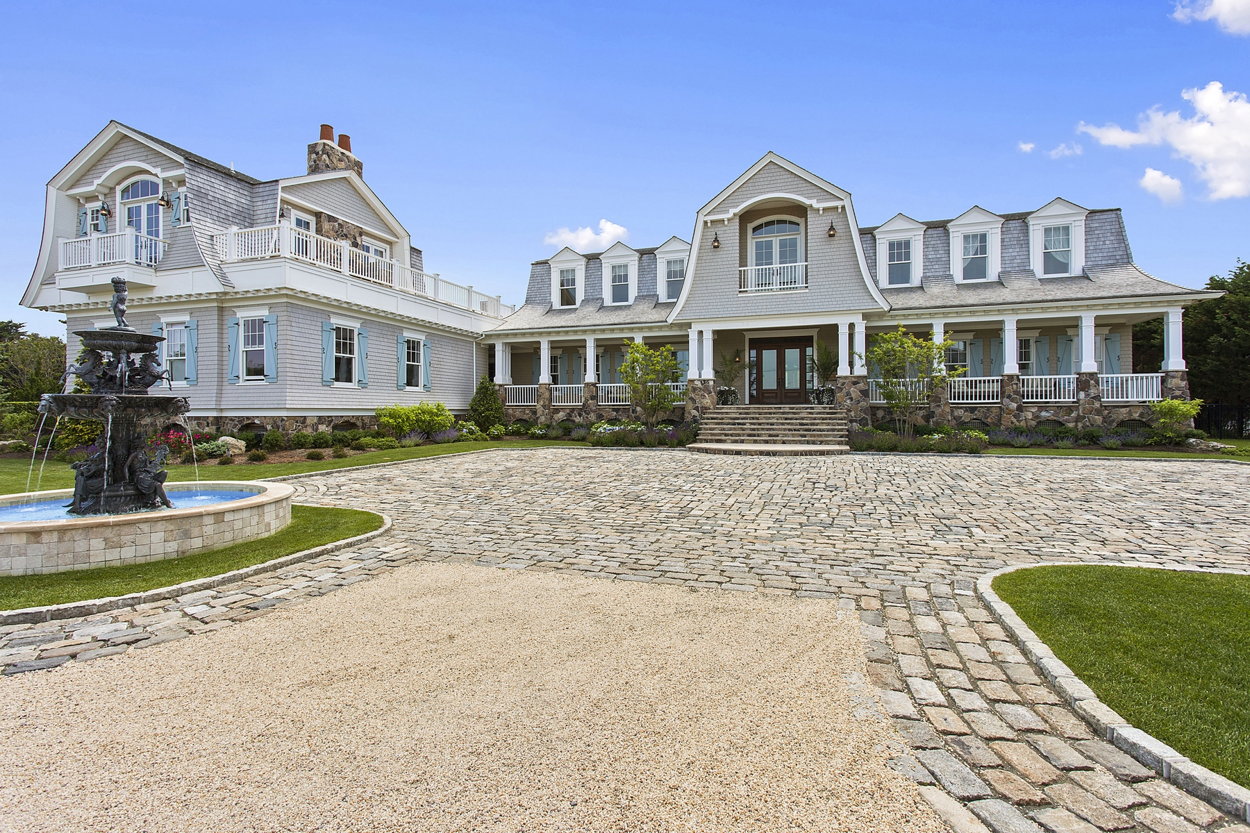 Moradia para Venda às Grand Oceanfront Estate 124 Dune Road Quogue, Nova York 11959 Estados Unidos