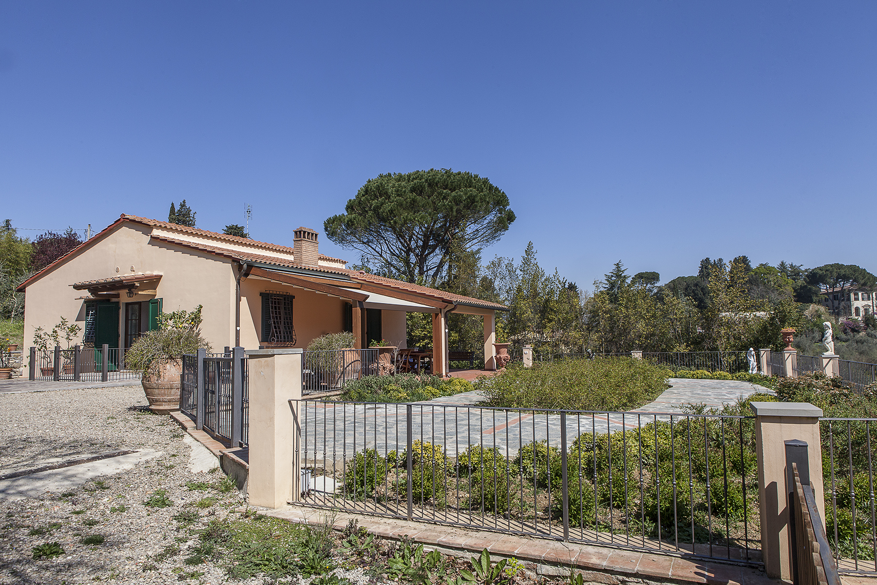 Single Family Home for Sale at Charming detached house in Florence Via San Felice a Ema Firenze, Florence 50100 Italy