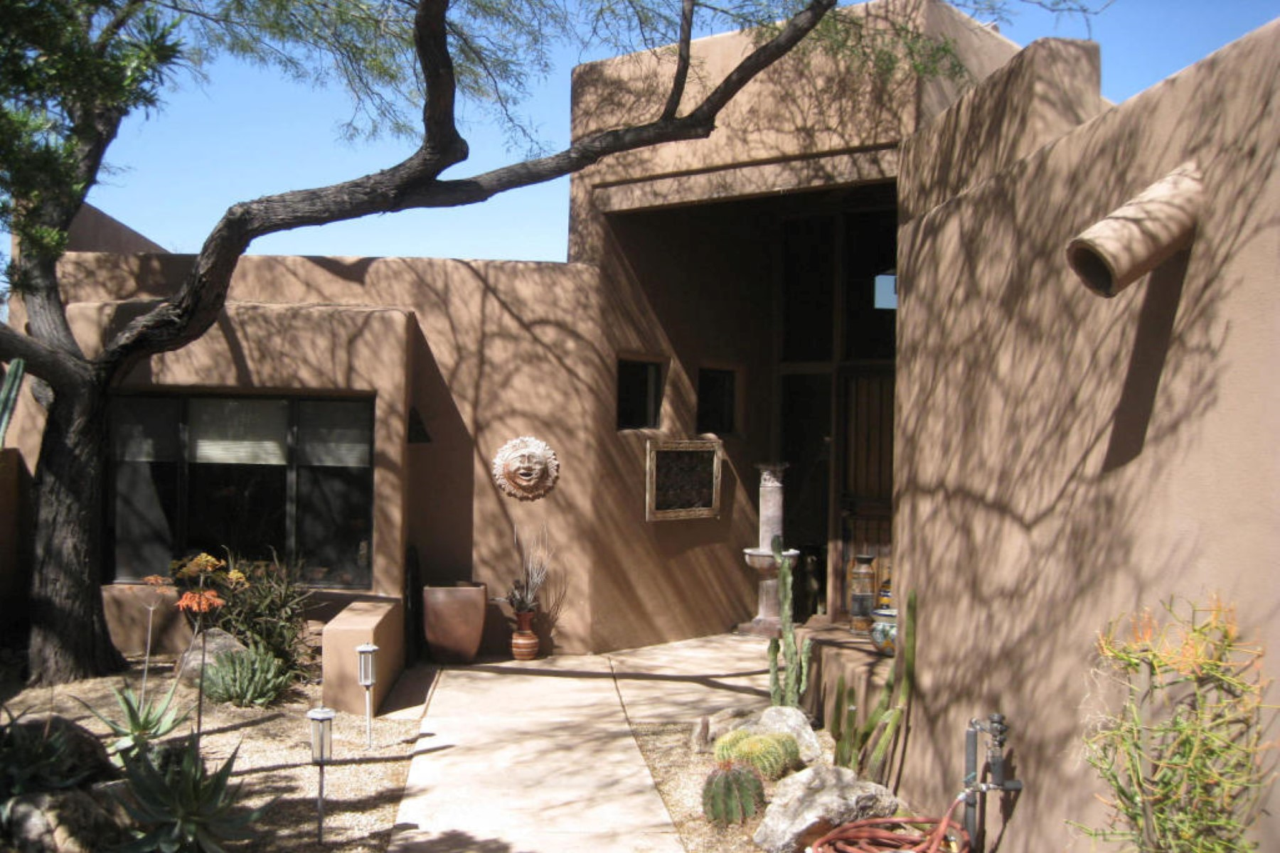 Single Family Home for Sale at Upgraded Skyranch Southwest townhome 8502 E CAVE CRK RD 44 Carefree, Arizona 85377 United States