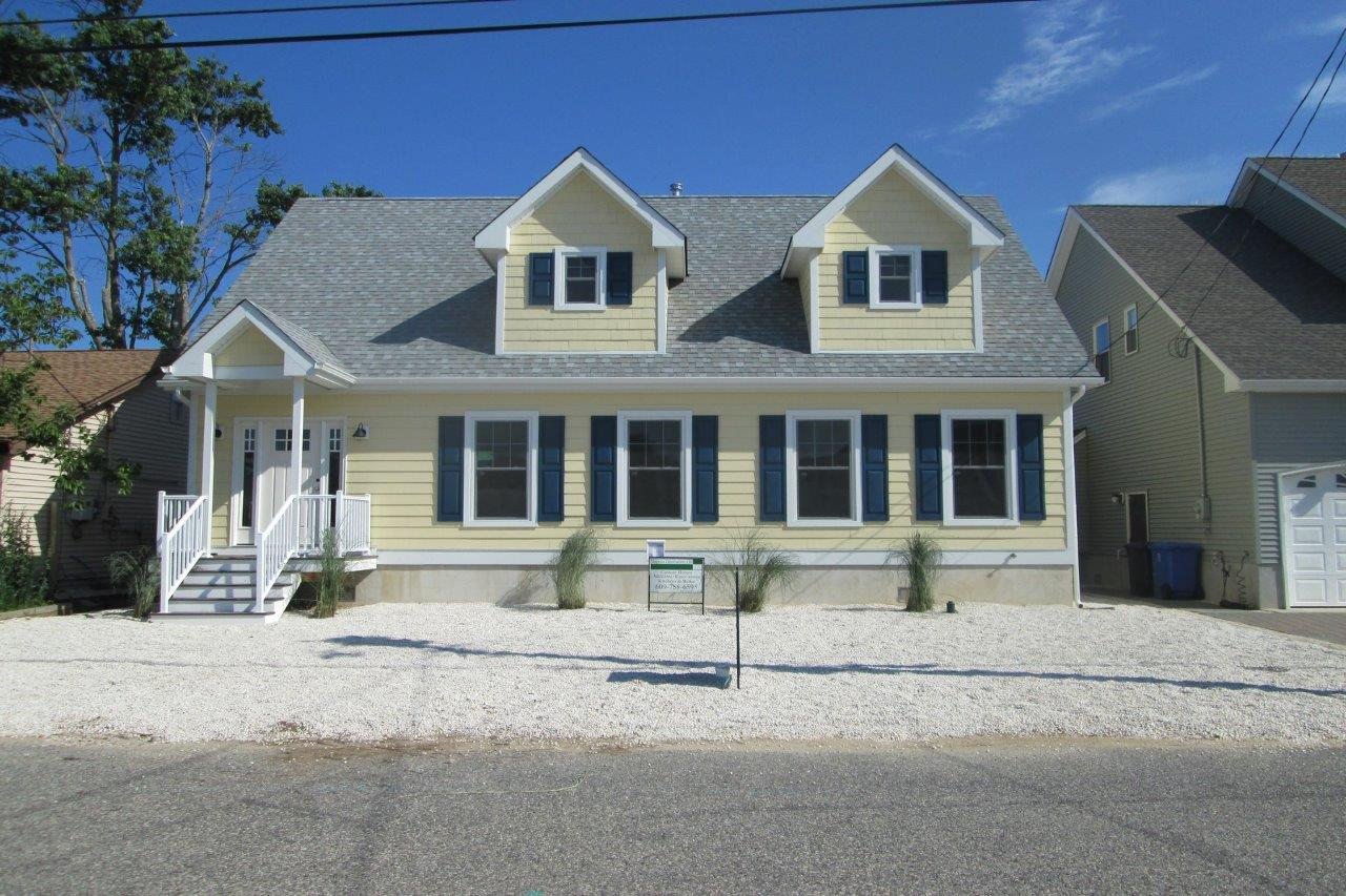 Single Family Home for Sale at BLUE LAGOON 15 Gregg Drive Manahawkin, 08050 United States