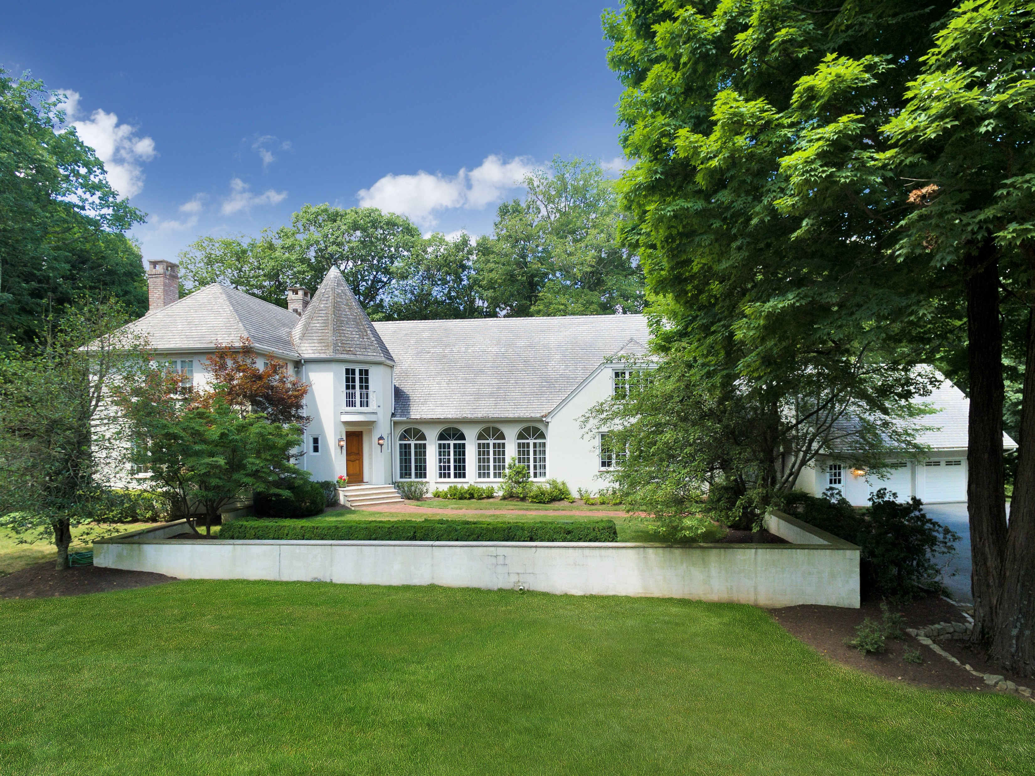 Single Family Home for Sale at Peaceful. Private. Perfect. 43 Skyline Drive Bernardsville, New Jersey, 07924 United States