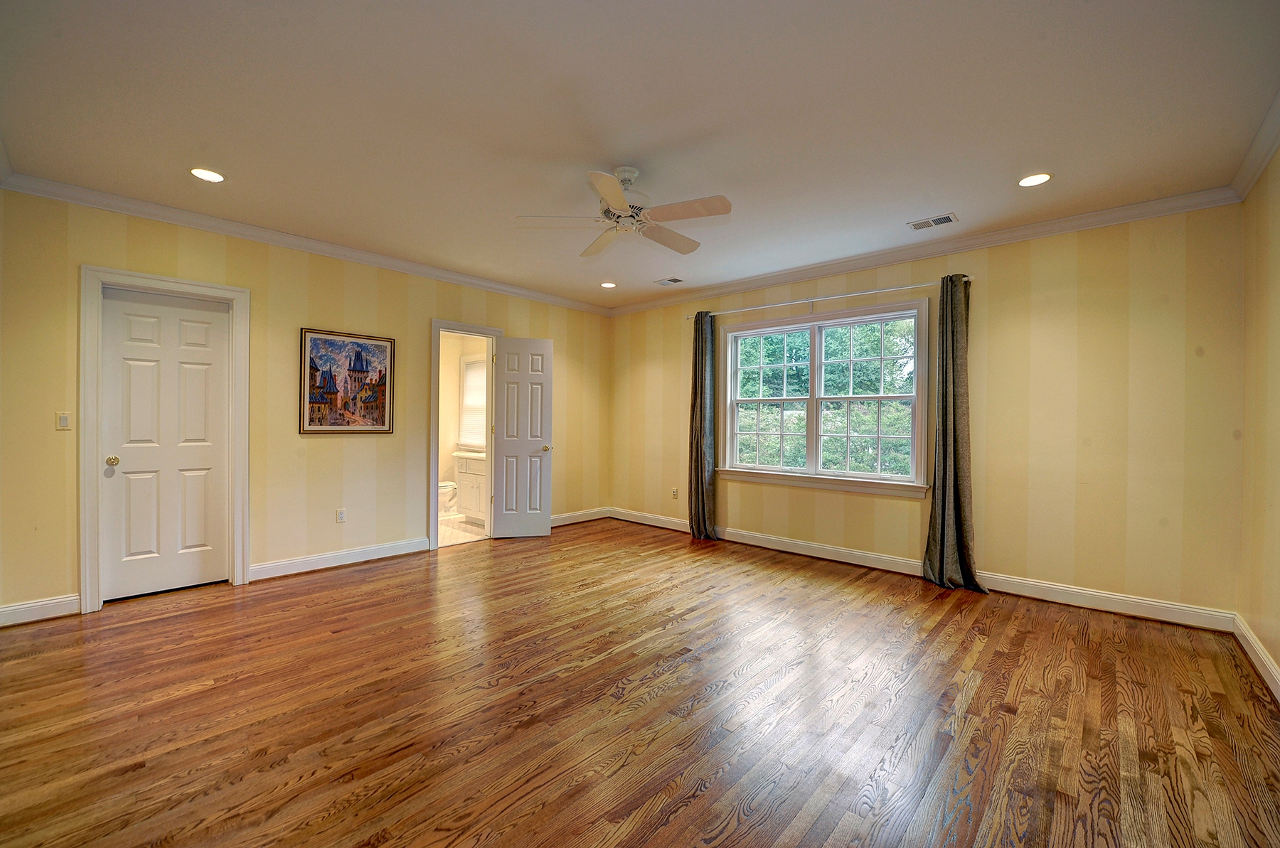 Additional photo for property listing at 8507 Country Club Drive, Bethesda  Bethesda, Maryland 20817 United States