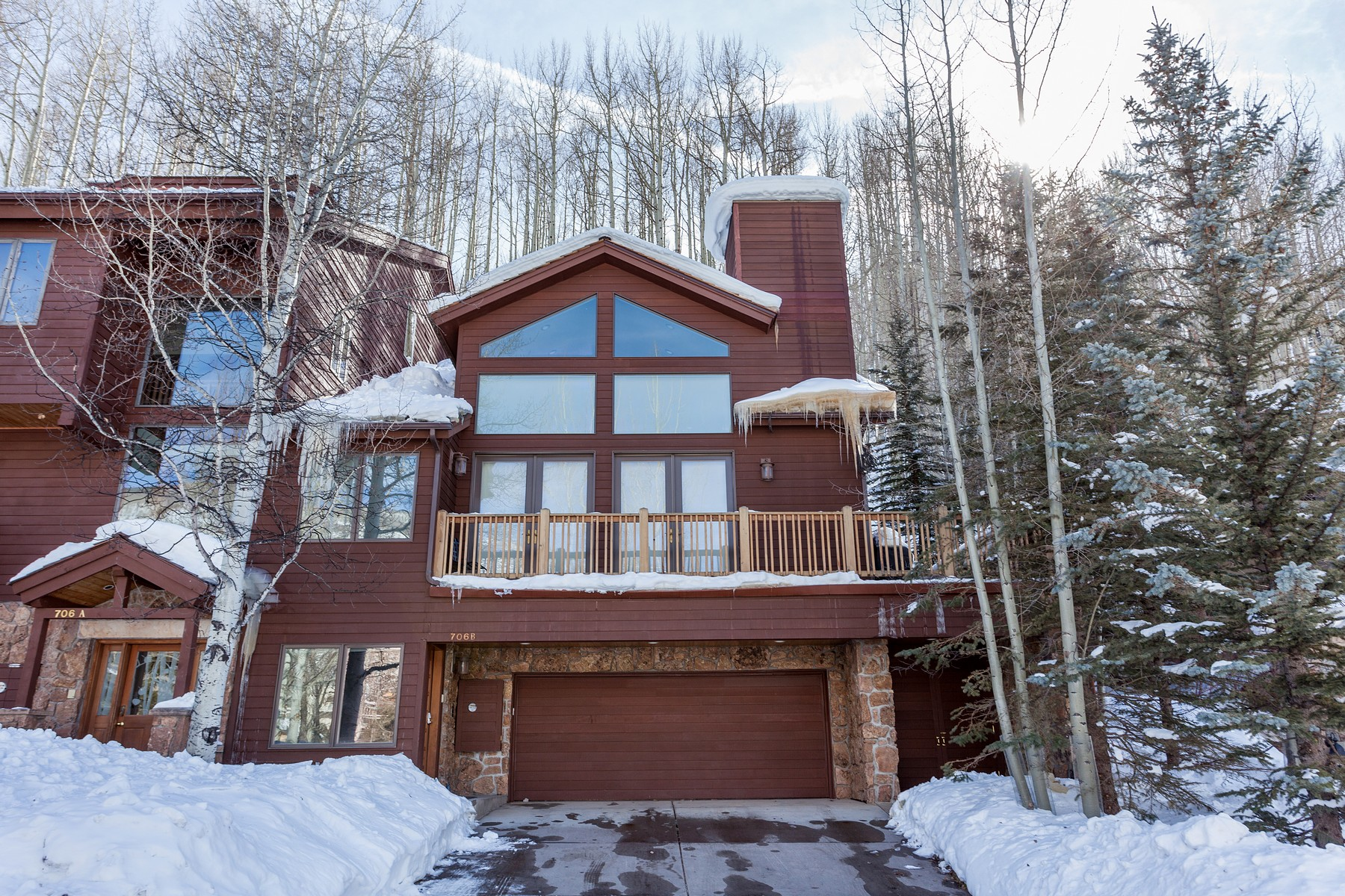 Casa Unifamiliar por un Venta en Great Location on Forest Road Walking Distance to Skiing 706 Forest Rd #B Vail, Colorado 81657 Estados Unidos