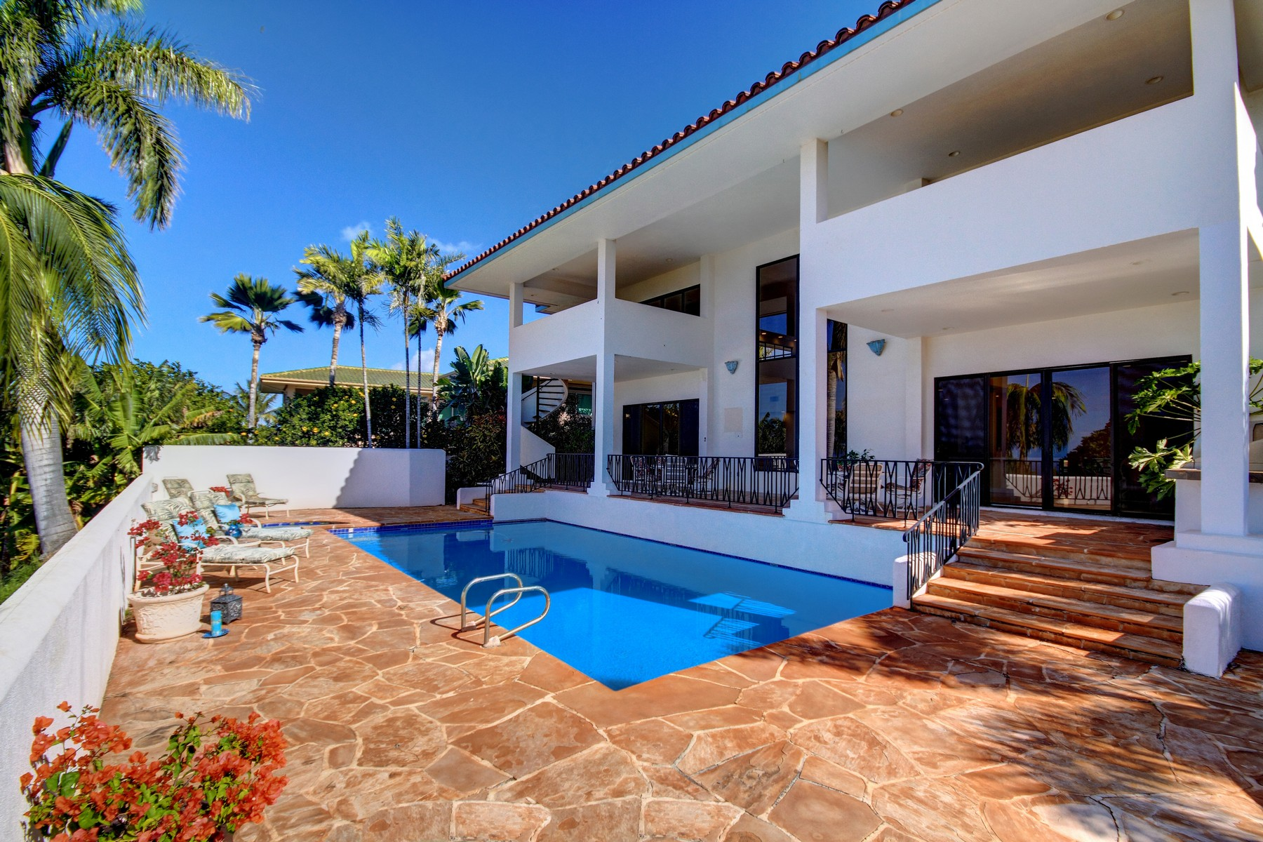 Single Family Home for Sale at Kaanapali Classic Contemporary Residence 78 S. Iwa Place Kaanapali, Hawaii 96761 United States