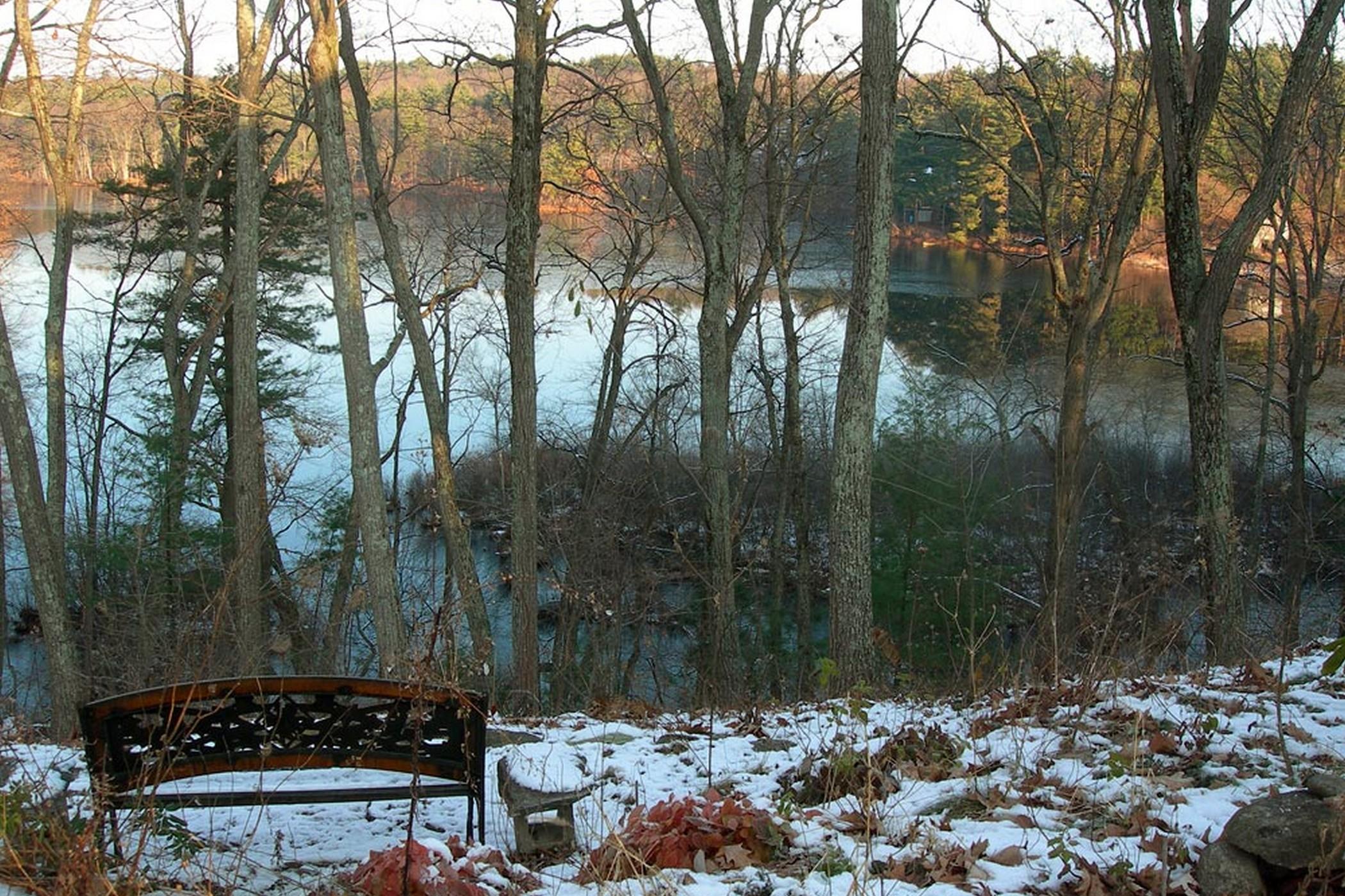 土地 为 销售 在 Spectacular Pond Views 12 Huntley Lane 林肯, 马萨诸塞州, 01773 美国