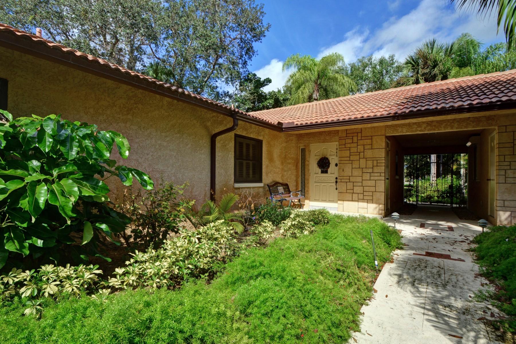Copropriété pour l Vente à Charming Villa in a Great Location 1945 Tamara Trail #1D Vero Beach, Florida 32966 États-Unis
