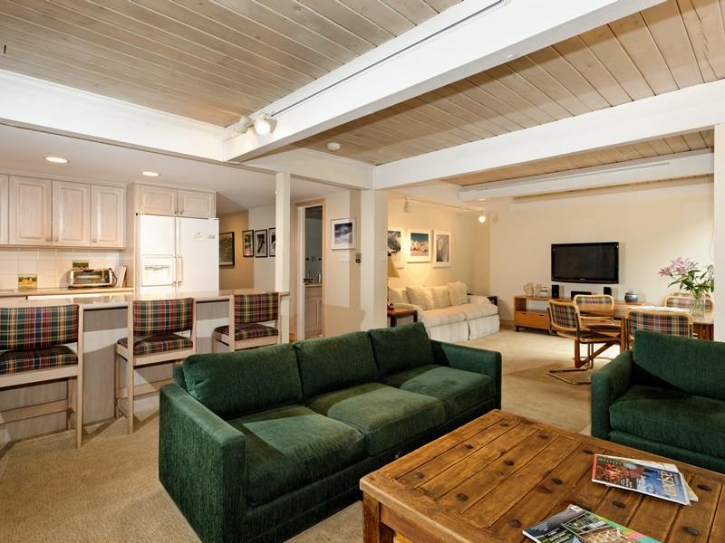 Kat Mülkiyeti için Satış at An Aspen Classic 700 Ute Avenue #104 Central Core, Aspen, Colorado 81611 Amerika Birleşik Devletleri