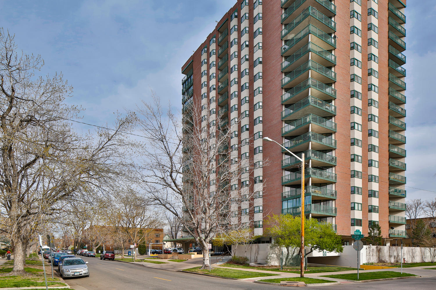 Condominium for Sale at Walkable to all the Hotspots. Modern/Artistic. 550 East 12th Avenue #808 Capitol Hill, Denver, Colorado, 80203 United States