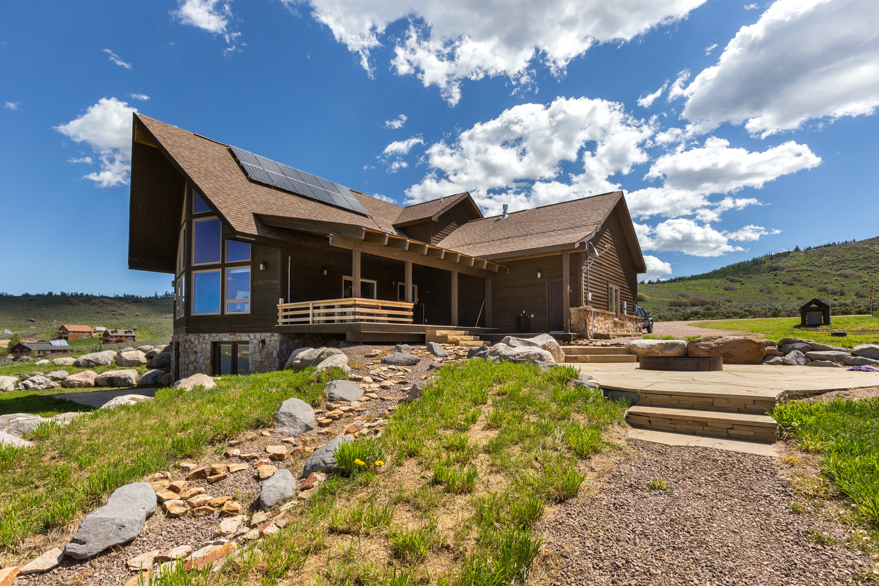 Single Family Home for Sale at Stagecoach Retreat 24375 Arapahoe Road Oak Creek, Colorado 80467 United States
