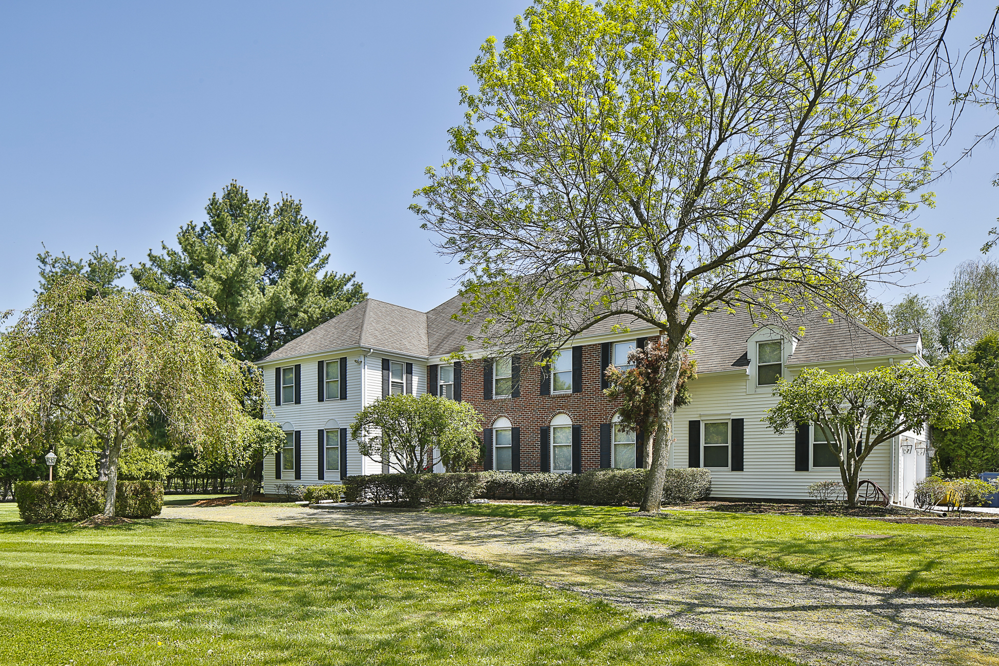 Maison unifamiliale pour l Vente à A Custom Home With High-End Touches - Lawrence Township 1 Dorchester Court Princeton, New Jersey 08540 États-Unis