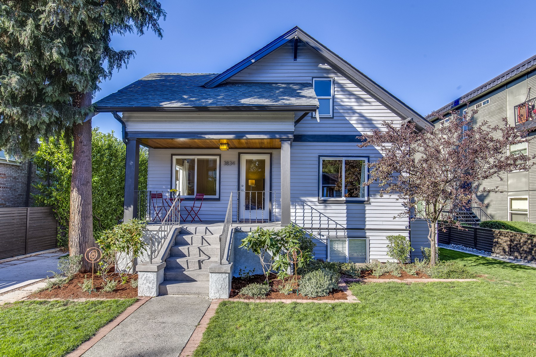 Single Family Home for Sale at Cottage in Historic District 3834 S. Edmunds Street Seattle, Washington 98118 United States