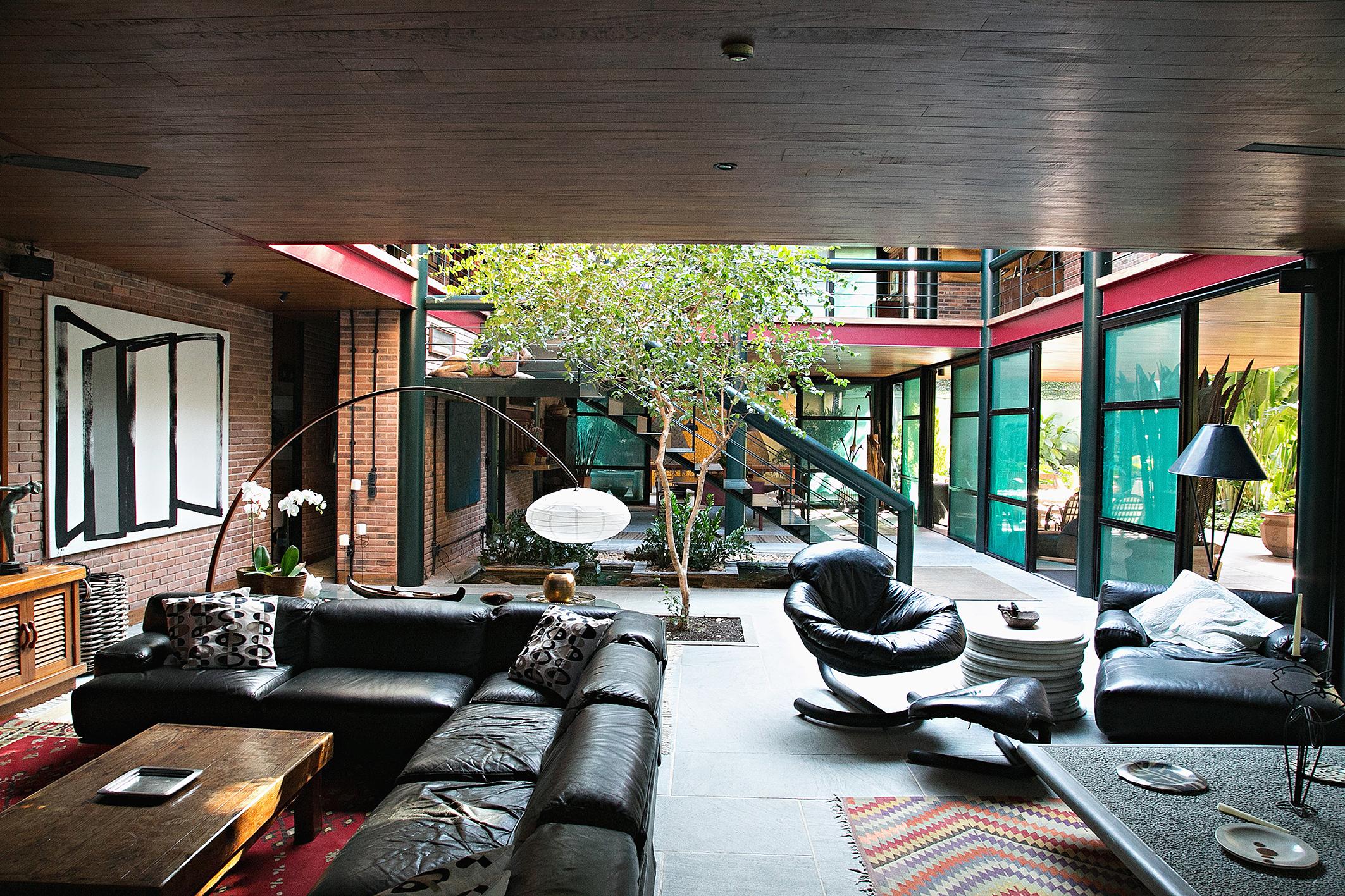 Частный односемейный дом для того Продажа на Renowned design Rua Senador Generoso Ponce Rio De Janeiro, Рио-Де-Жанейро, 22611110 Бразилия