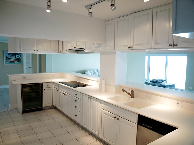 Additional photo for property listing at Conchrest Penthouse  Cable Beach, Nassau And Paradise Island . Bahamas