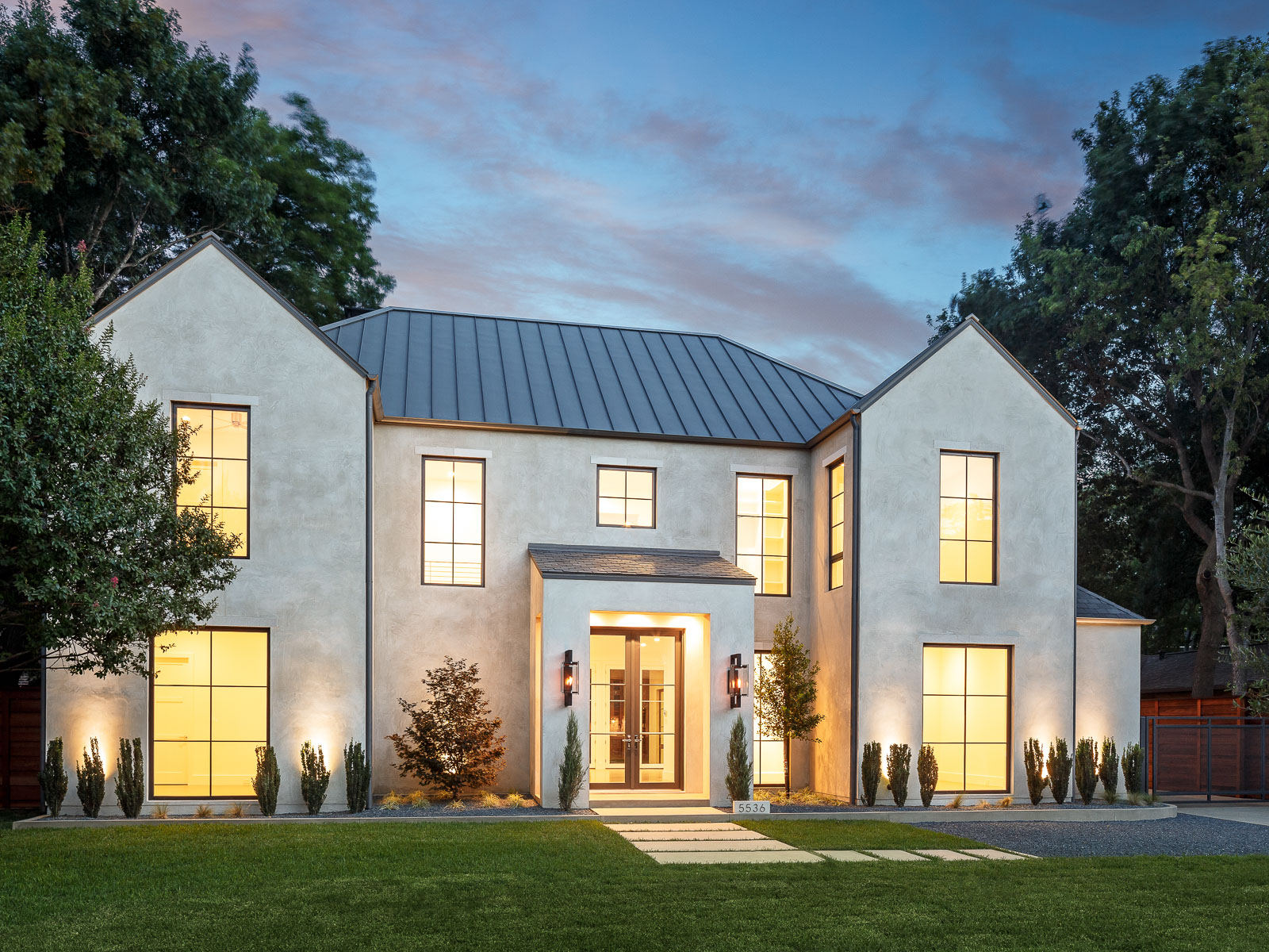 Single Family Home for Sale at Stunning New Construction in Devonshire 5536 Greenbrier Drive Dallas, Texas 75209 United States