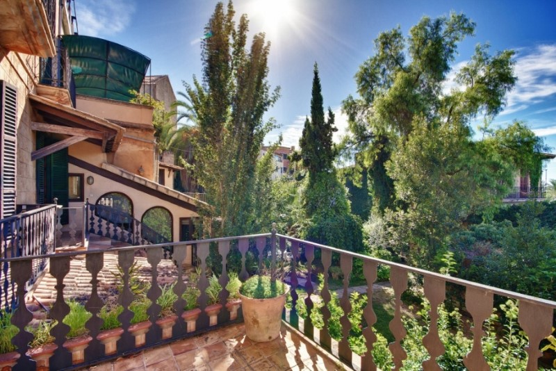 Property Of Magnificent 16th century Mansion in D´Alt Murada