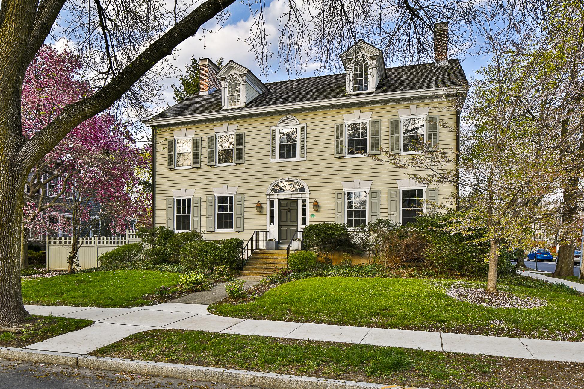 Maison unifamiliale pour l Vente à The Beatty House 19 Vandeventer Avenue Princeton, New Jersey 08542 États-Unis