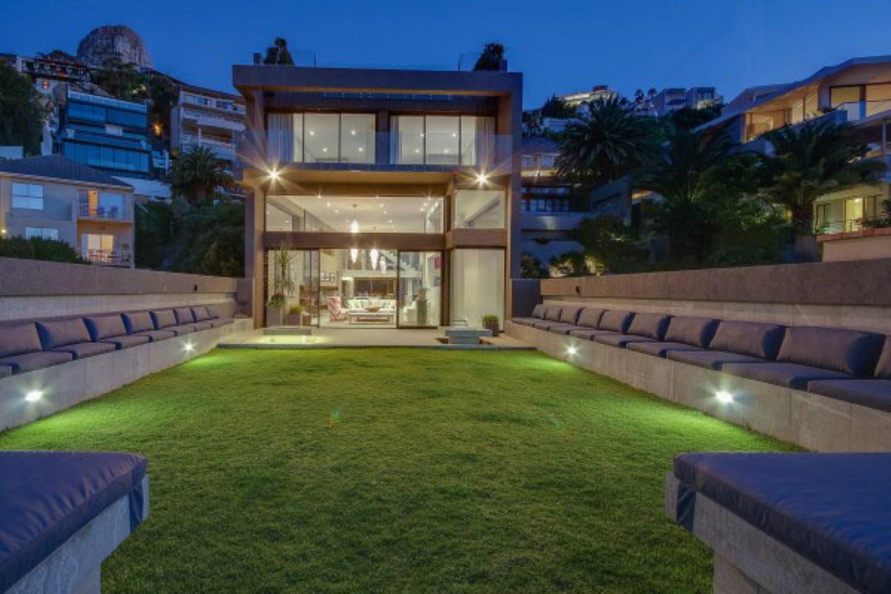 Maison unifamiliale pour l Vente à CONTEMPORARY MODERN BANTRY BAY HOME Cape Town, Cap-Occidental, 8001 Afrique Du Sud