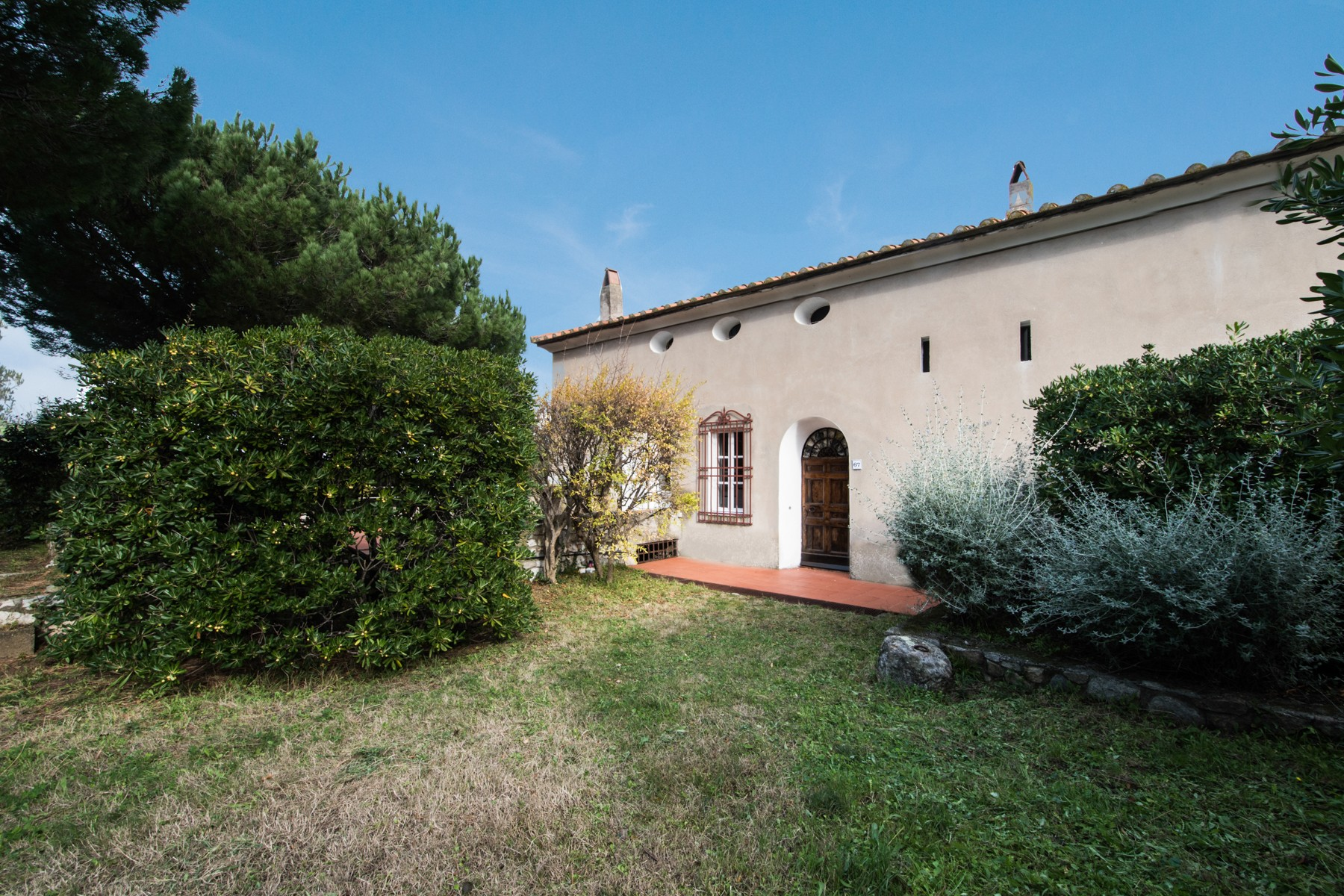 Additional photo for property listing at Typical Tuscan villa with sea view Marciana Marina, Livorno Italia