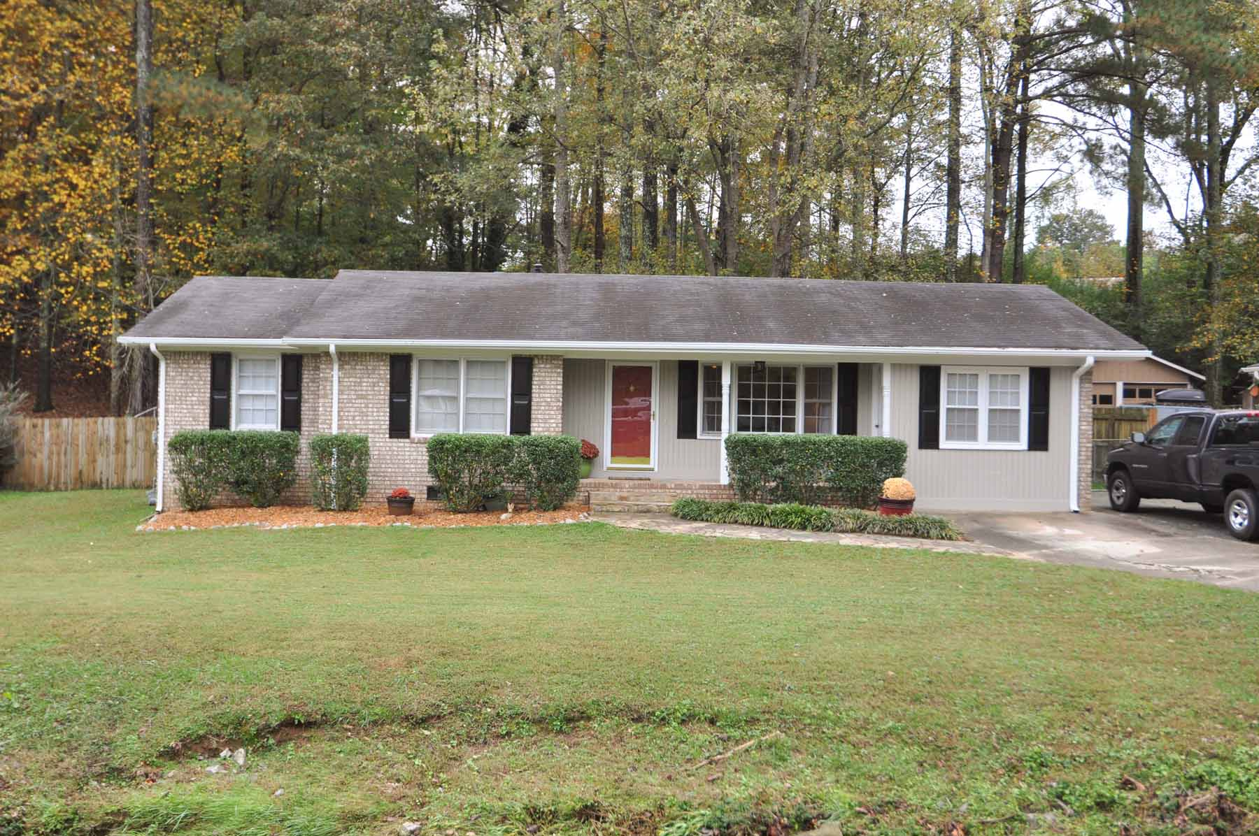 Property For Sale at Move in Ready in the Heart of Smyrna