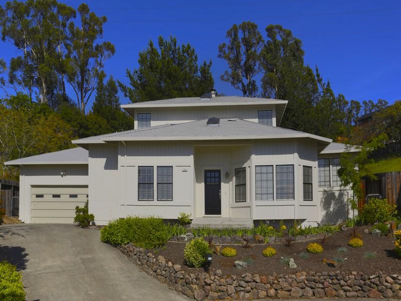 Casa para uma família para Venda às 524 Jachetta Court Healdsburg, Califórnia 95448 Estados Unidos