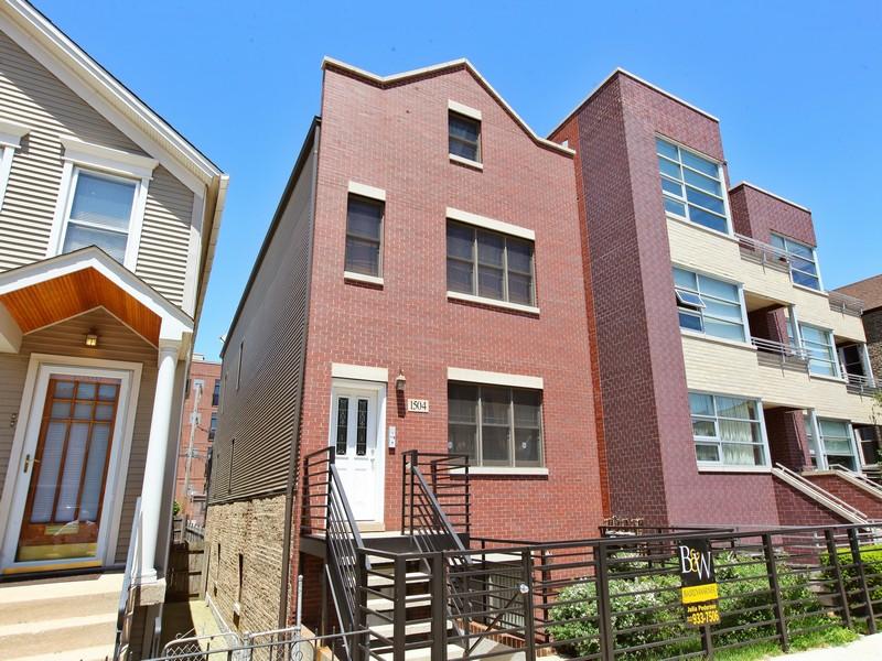 Condominium for Sale at Beautiful Garden Level Condo In Wicker Park 1504 W Augusta Boulivard Unit 1 West Town, Chicago, Illinois 60642 United States