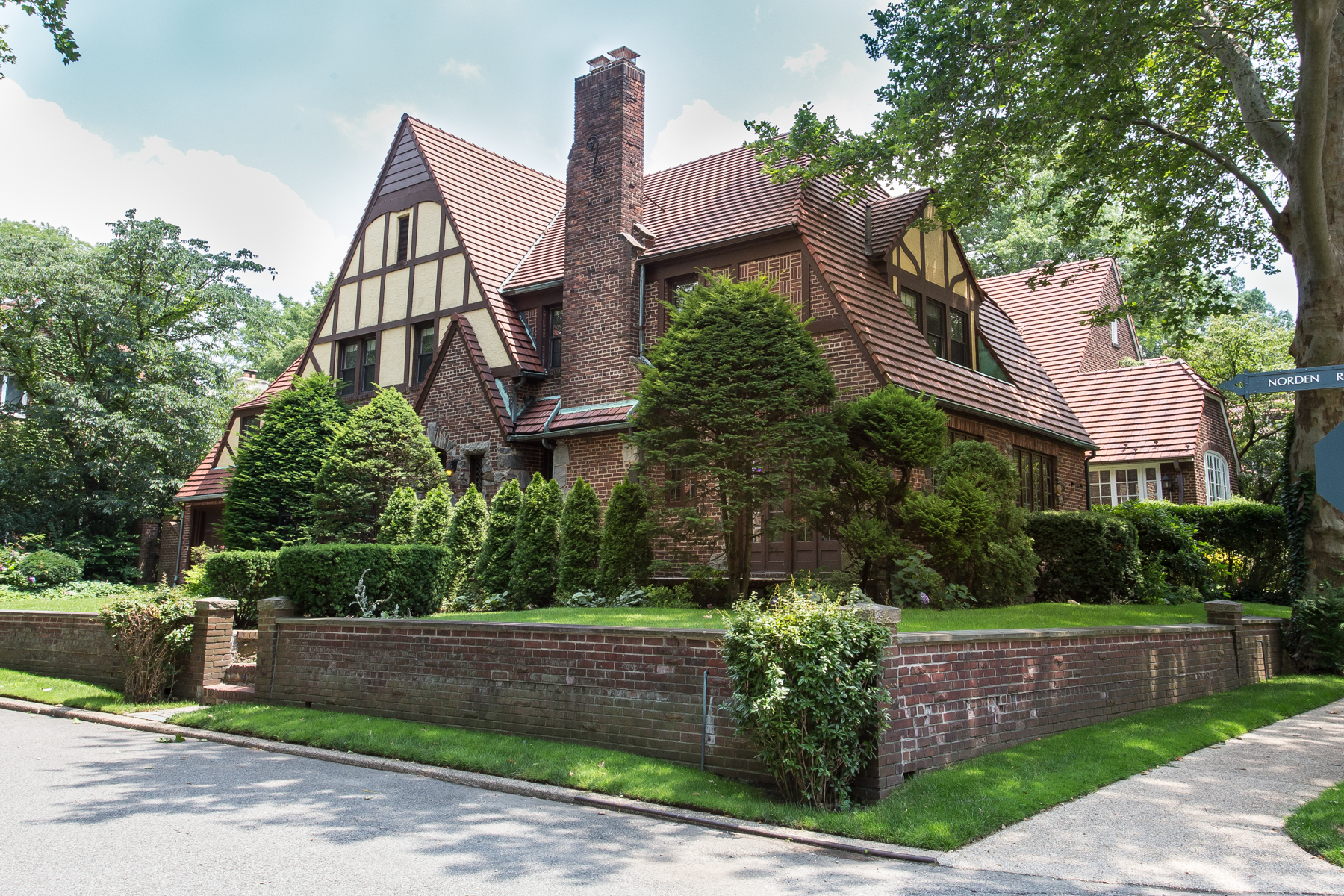 "Apartment for Rent at ""LARGE FHG MANOR HOME"" Forest Hills, New York 11375 United States"