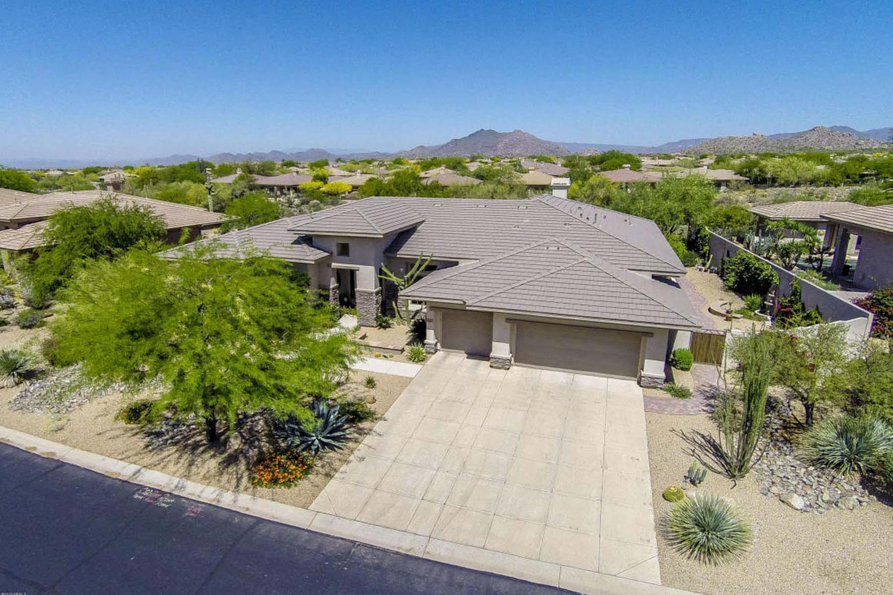 Casa para uma família para Venda às Timeless Sapphira model in Bellasera. 7564 E PONTEBELLA DR Scottsdale, Arizona 85266 Estados Unidos