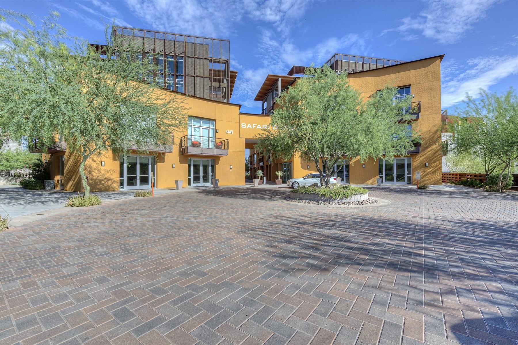 Appartement pour l Vente à Tremendous condo in exclusive Safari Drive. 4739 N Scottsdale RD 2001 Scottsdale, Arizona 85251 États-Unis