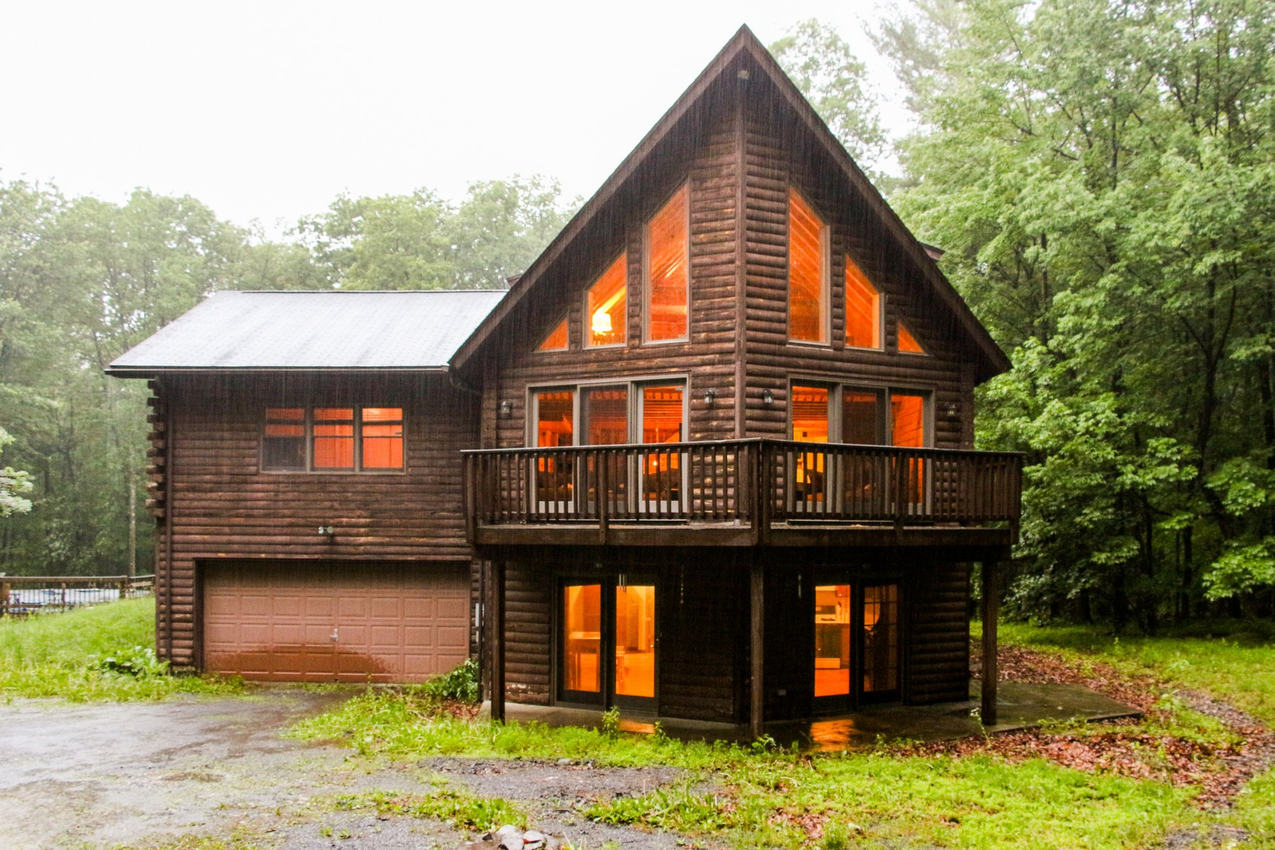 Single Family Home for Sale at Custom Log Home in Greenville 38 Elfwood Path Lane Port Jervis, New York 12771 United States