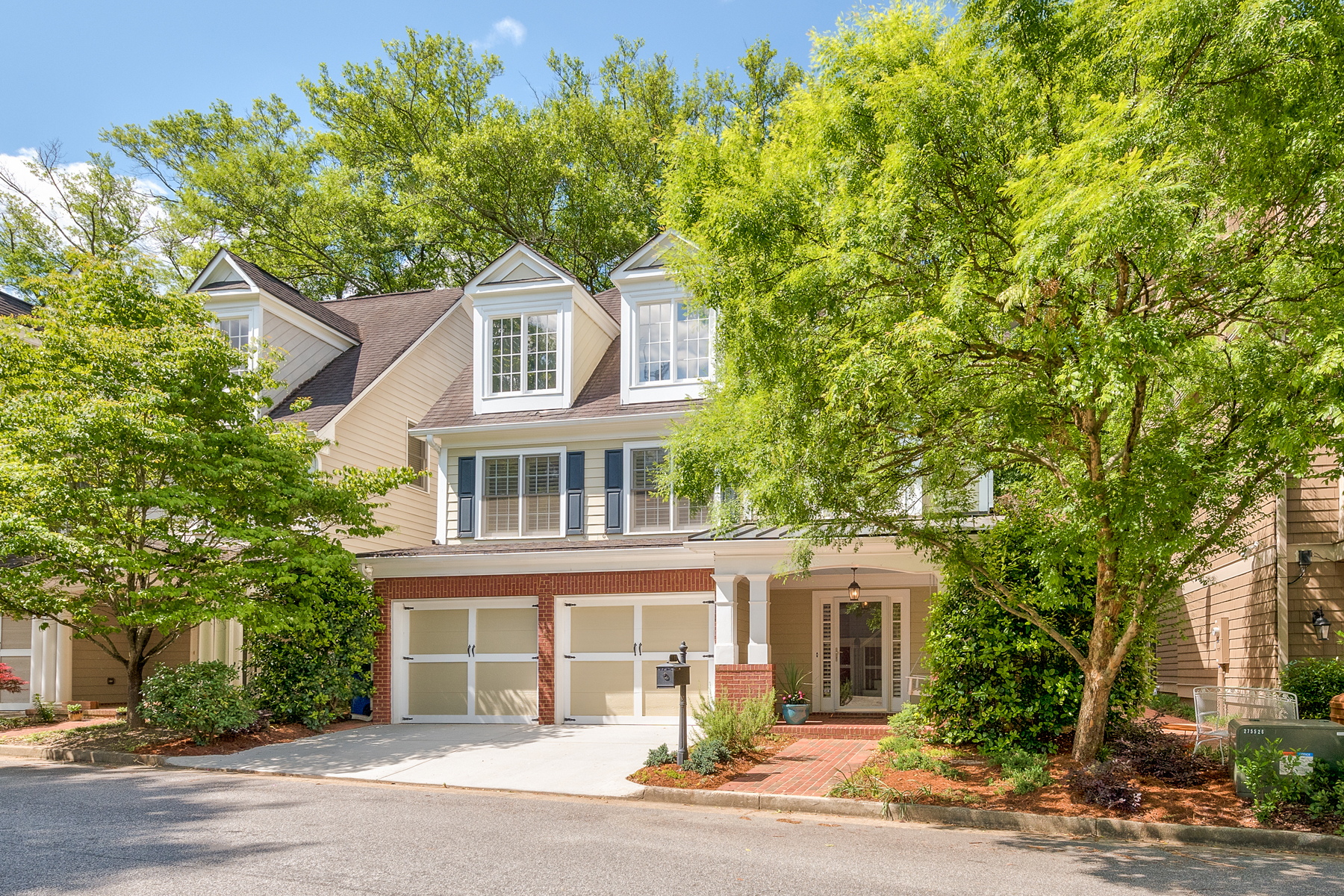 Vivienda unifamiliar por un Venta en Magnificent In Morningside 1311 Edmund Park Drive NE Morningside, Atlanta, Georgia, 30306 Estados Unidos
