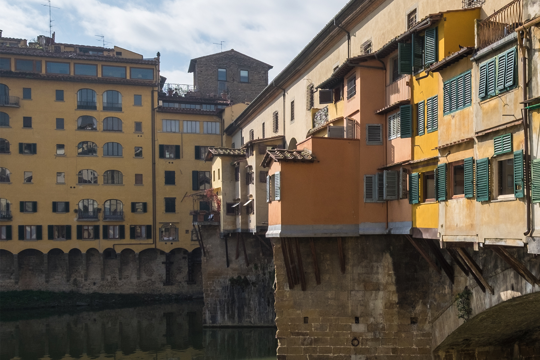 Additional photo for property listing at Commercial Fund on Ponte Vecchio  Firenze, Florence 50100 Italie