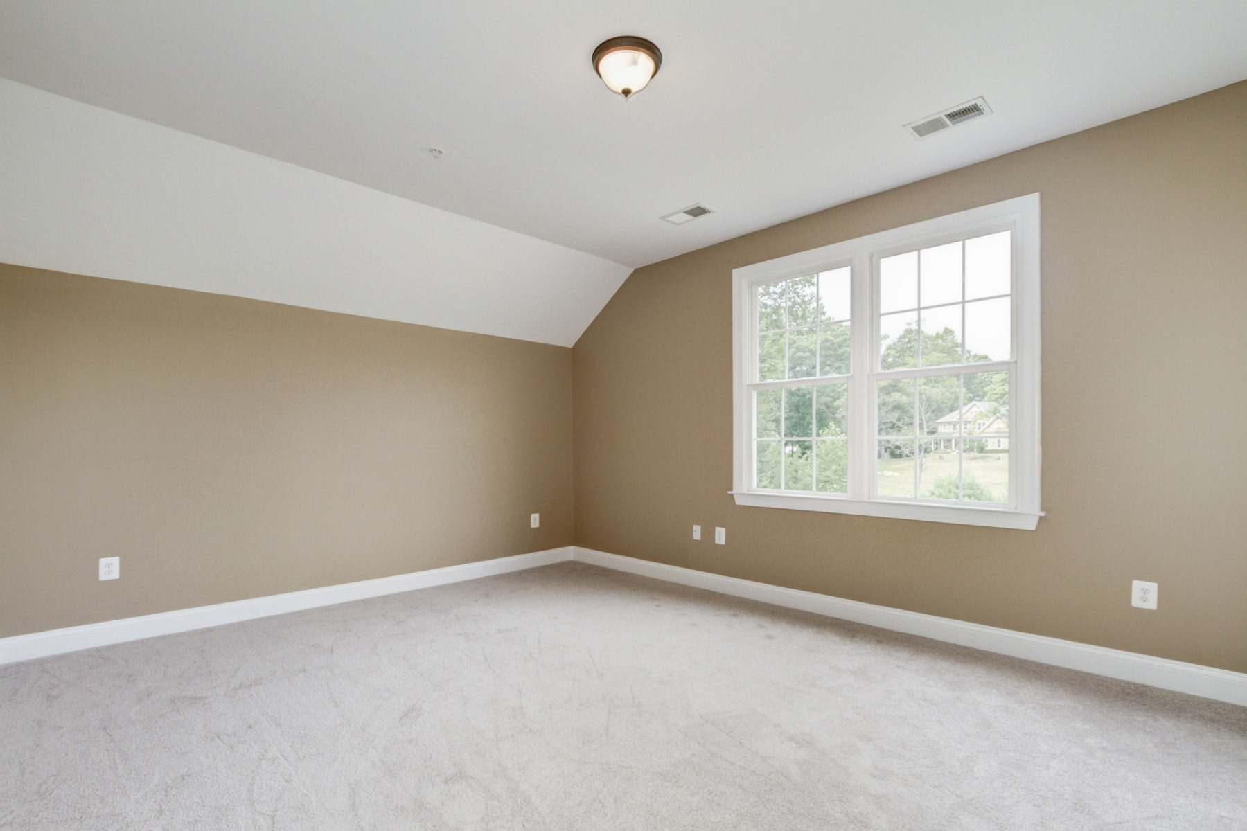 Additional photo for property listing at 9013 Magruder Knolls Court, Gaithersburg 9013 Magruder Knolls Ct Gaithersburg, Maryland 20882 Stati Uniti