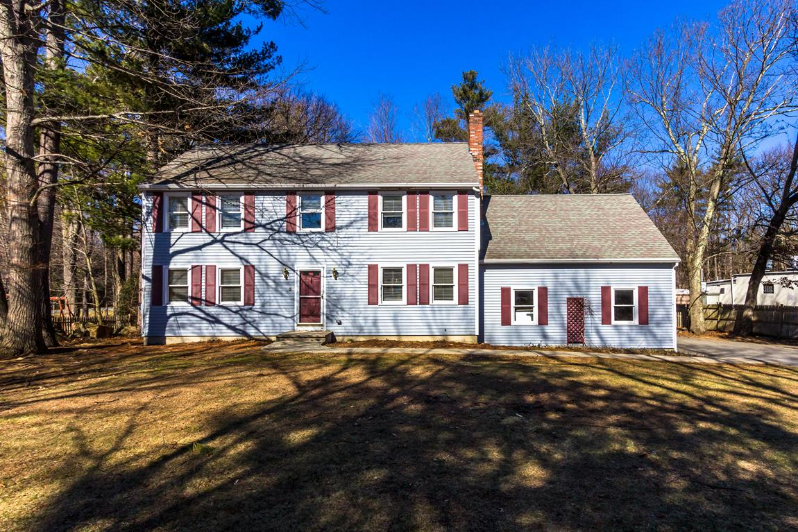 Single Family Home for Sale at Great location in Southborough 5 Southville Road Southborough, Massachusetts 01772 United States